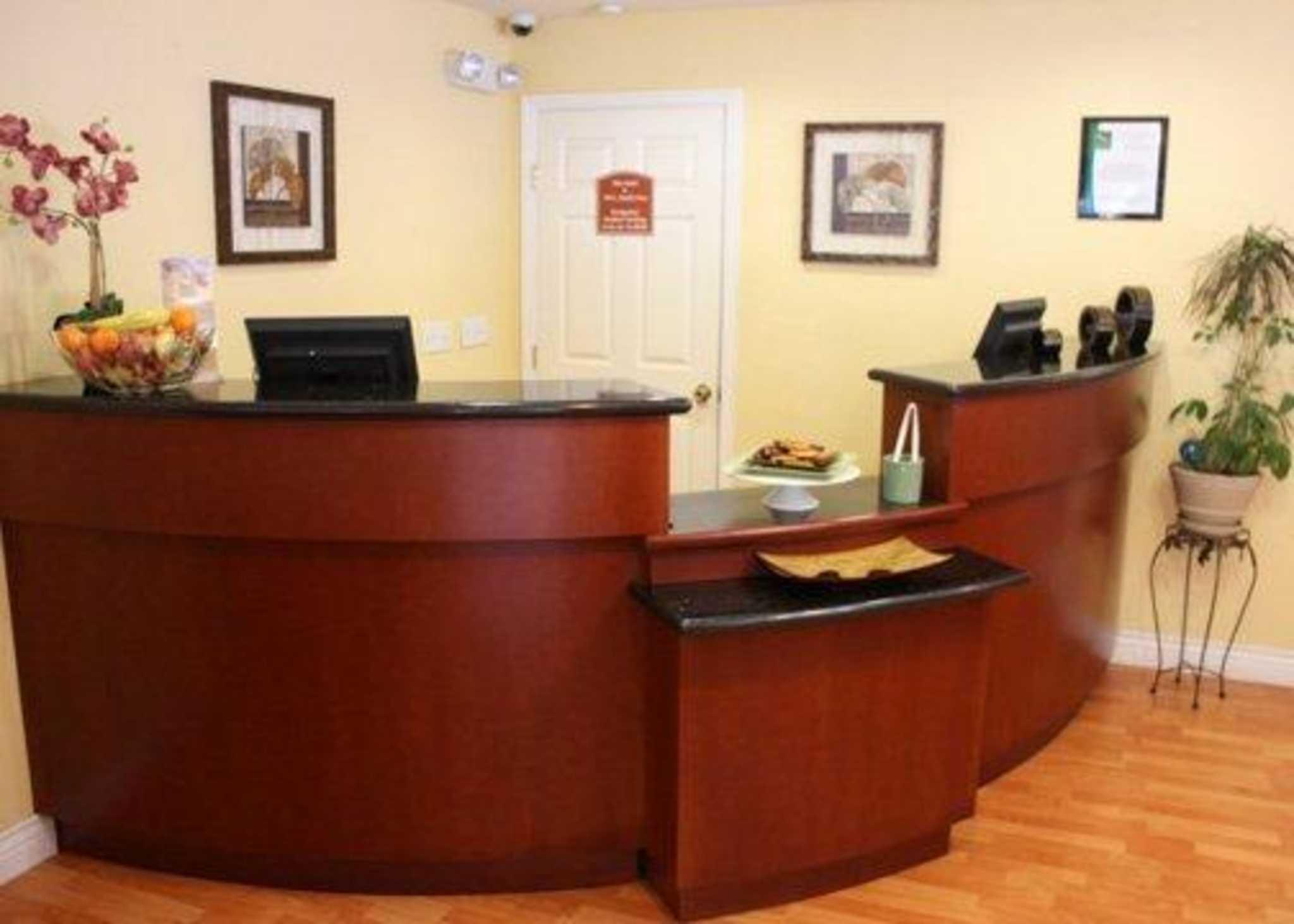 Quality Inn & Suites Santa Cruz Mountains image 4
