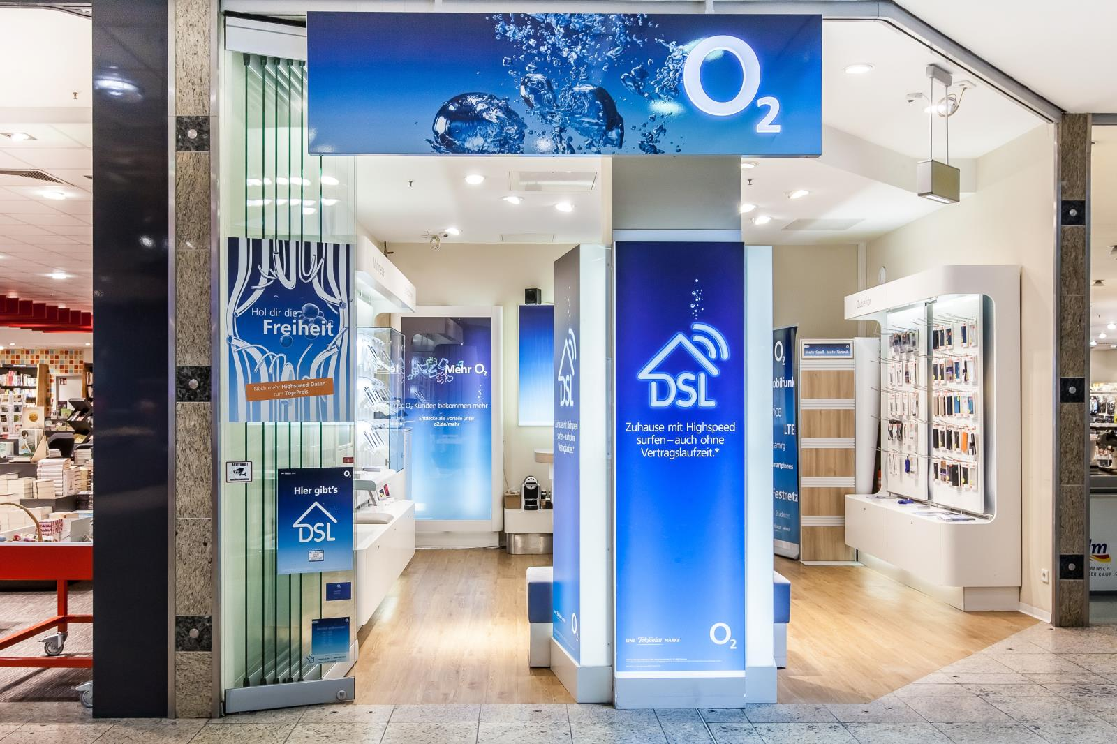o2 Shop, Borsigallee 26 in Frankfurt am Main