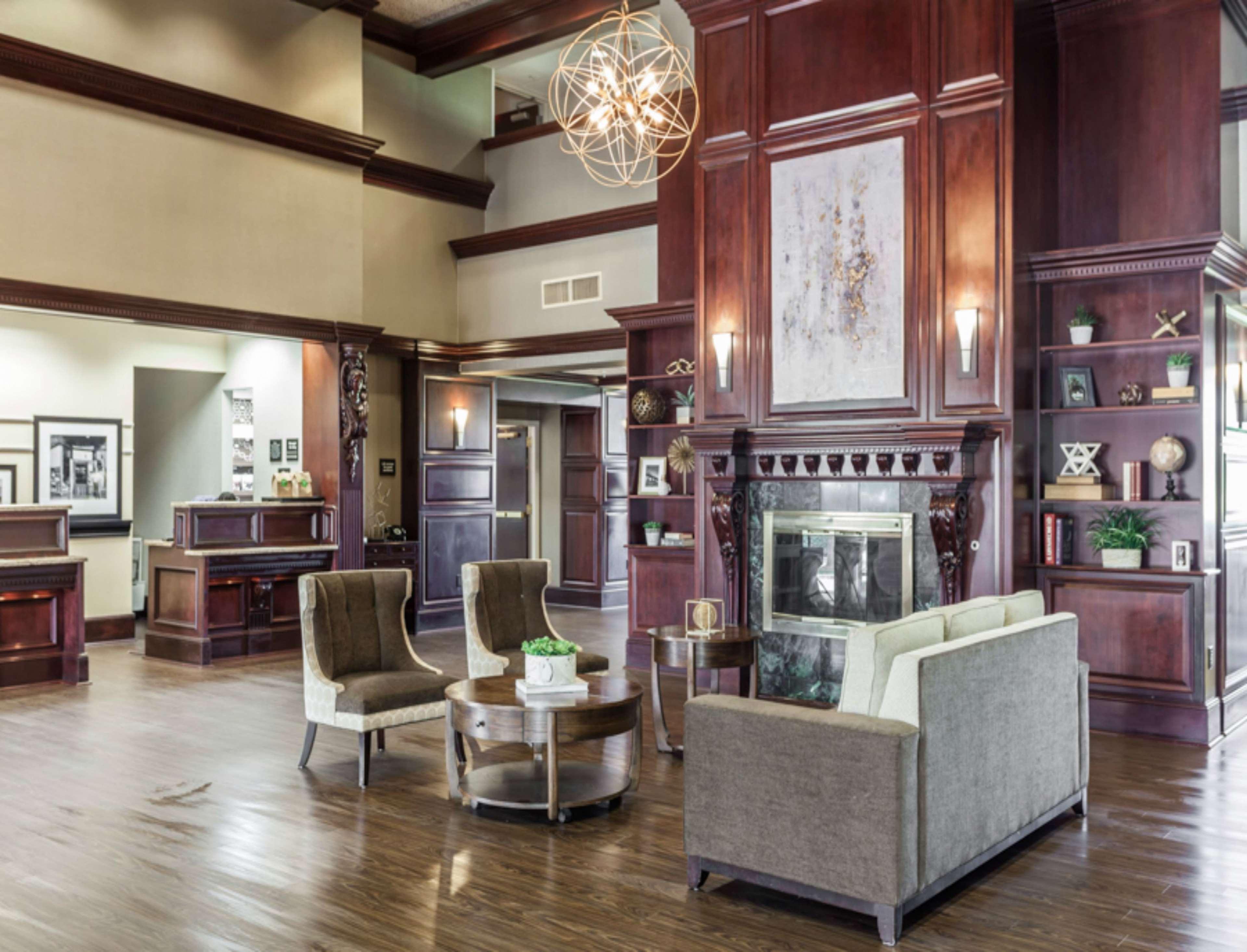 Hampton Inn & Suites Dallas-DFW Airport North-Grapevine image 2