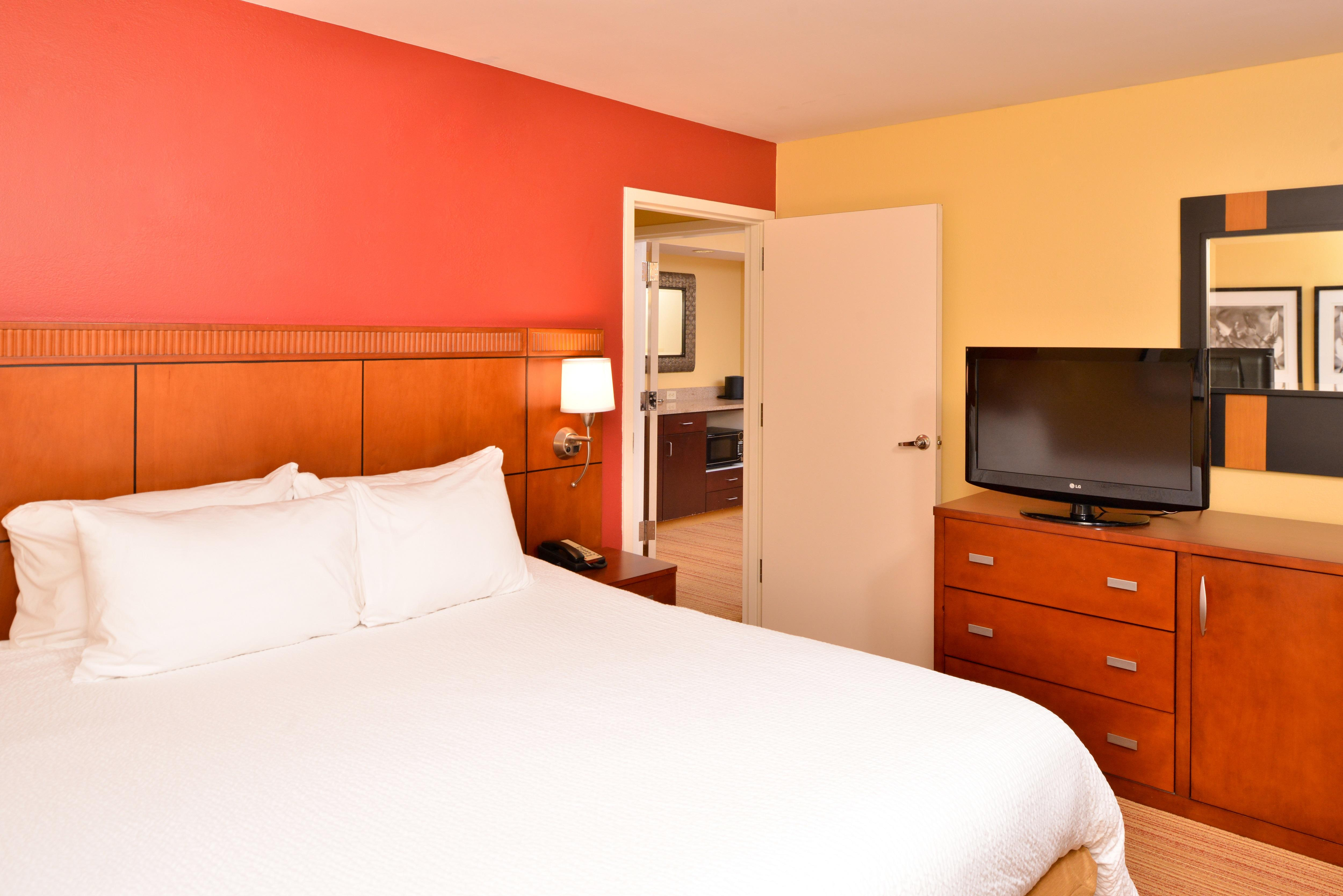 Courtyard by Marriott Tampa North/I-75 Fletcher image 2