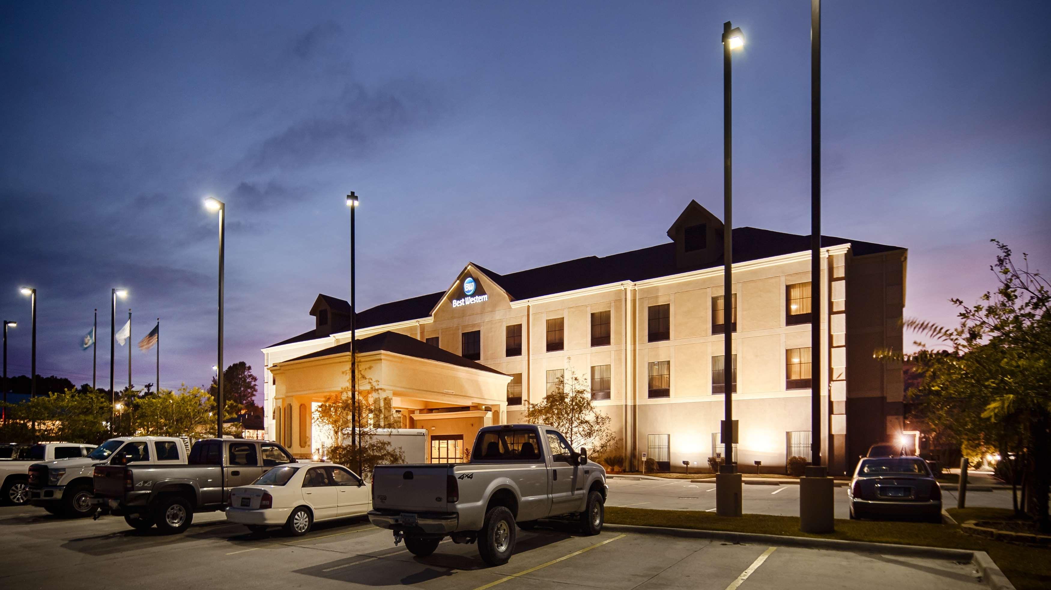 Best Western St. Francisville Hotel image 1