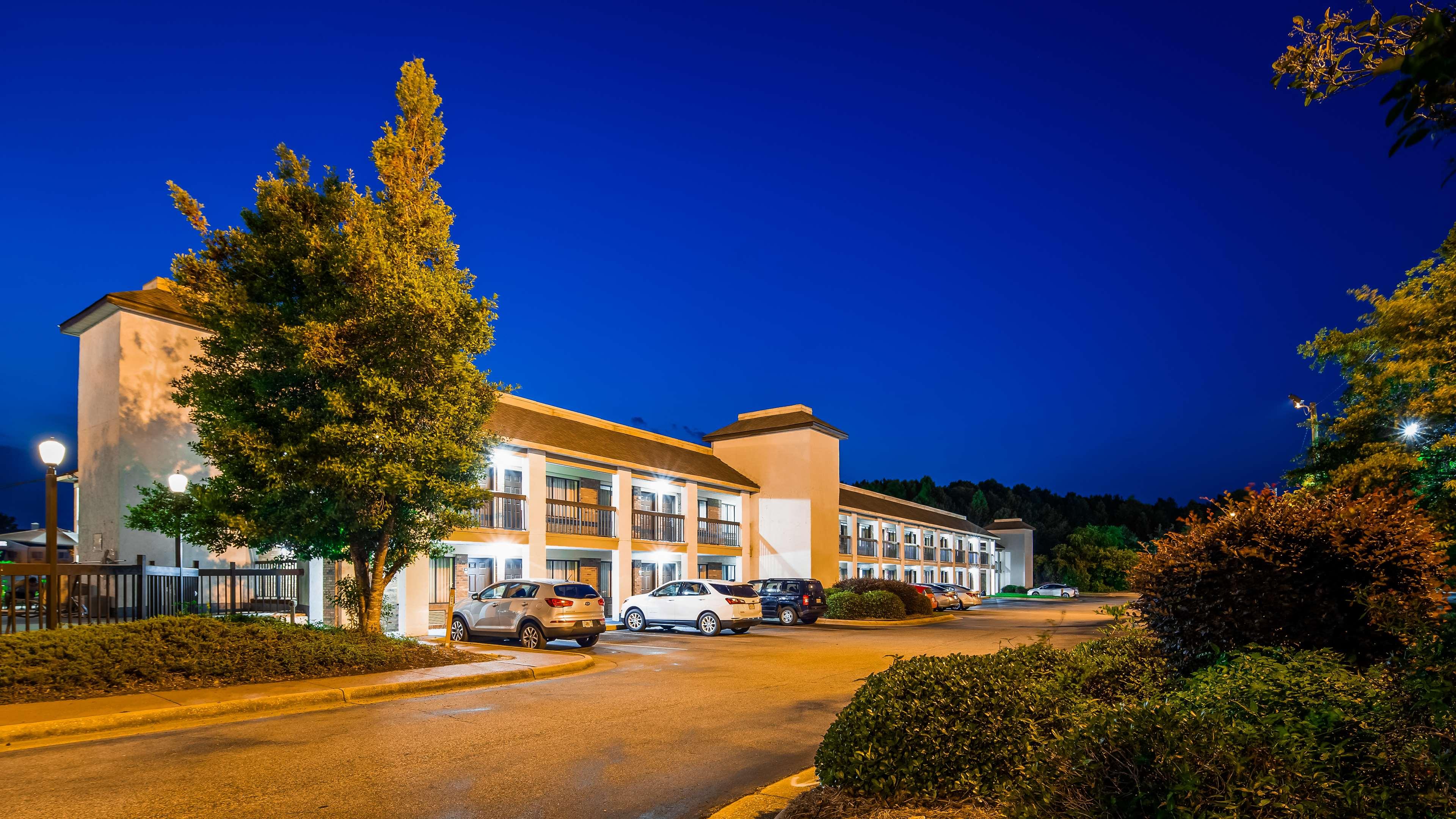 SureStay Plus Hotel by Best Western Fayetteville image 3