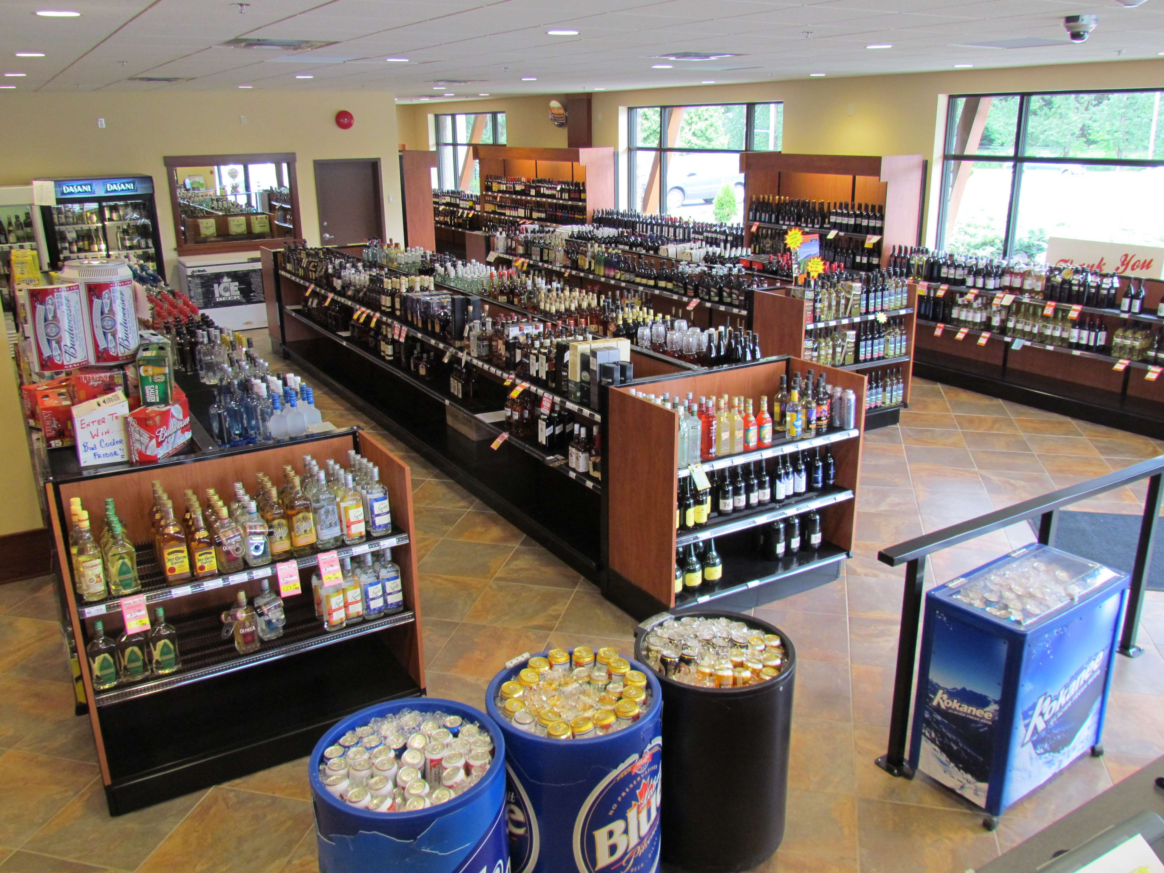 Best Western Plus Barclay Hotel in Port Alberni: On-site beer, liquor and wine store with a great selection.