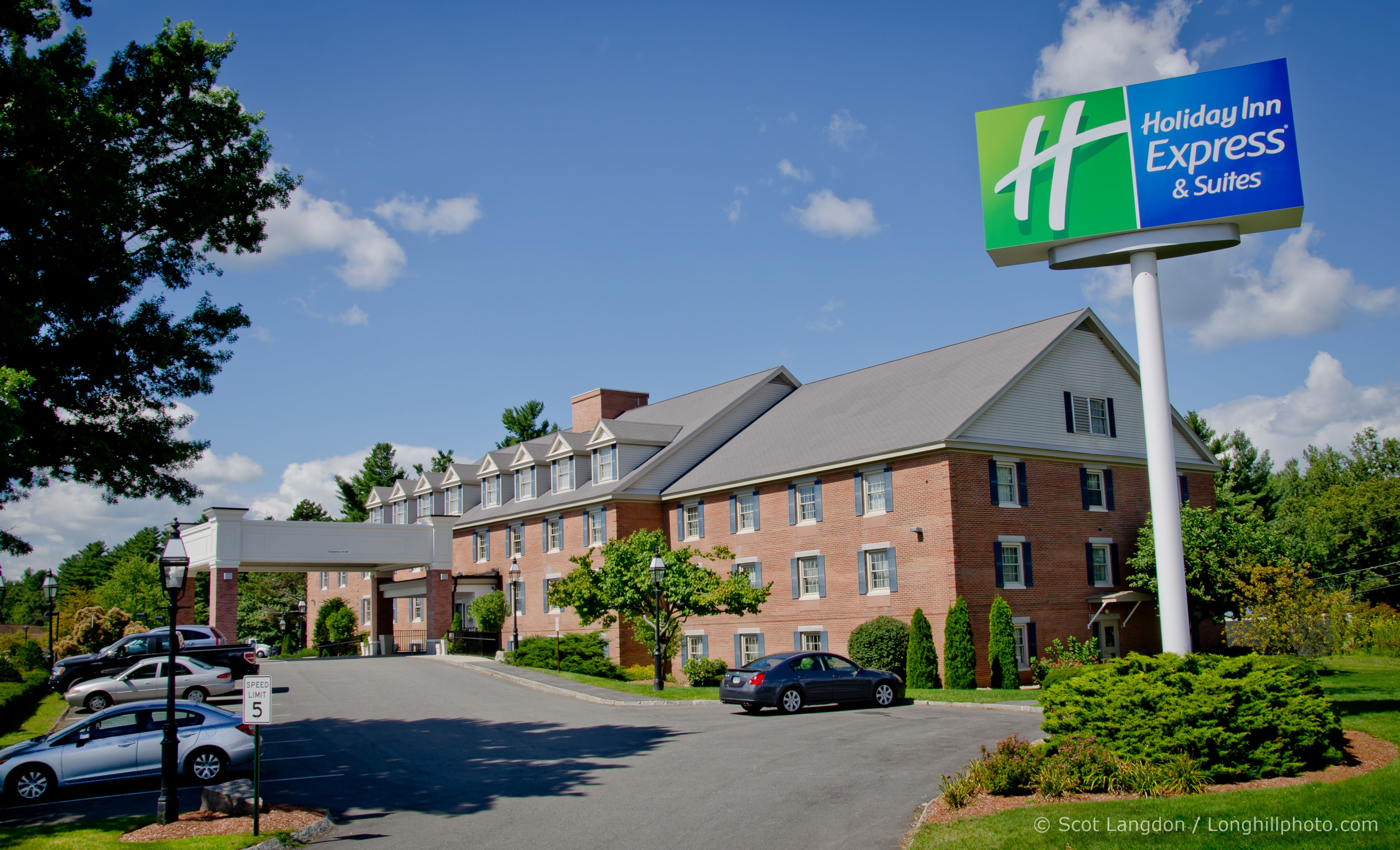 Holiday Inn Express & Suites Meridian image 3