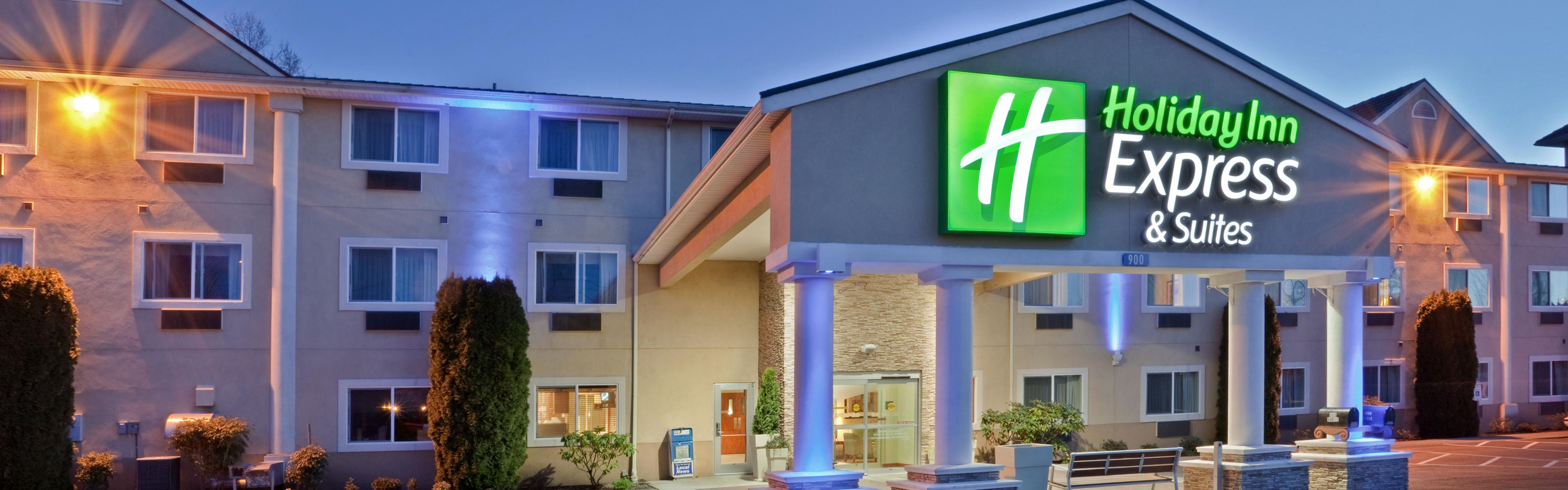 Holiday Inn Express & Suites Burlington image 0