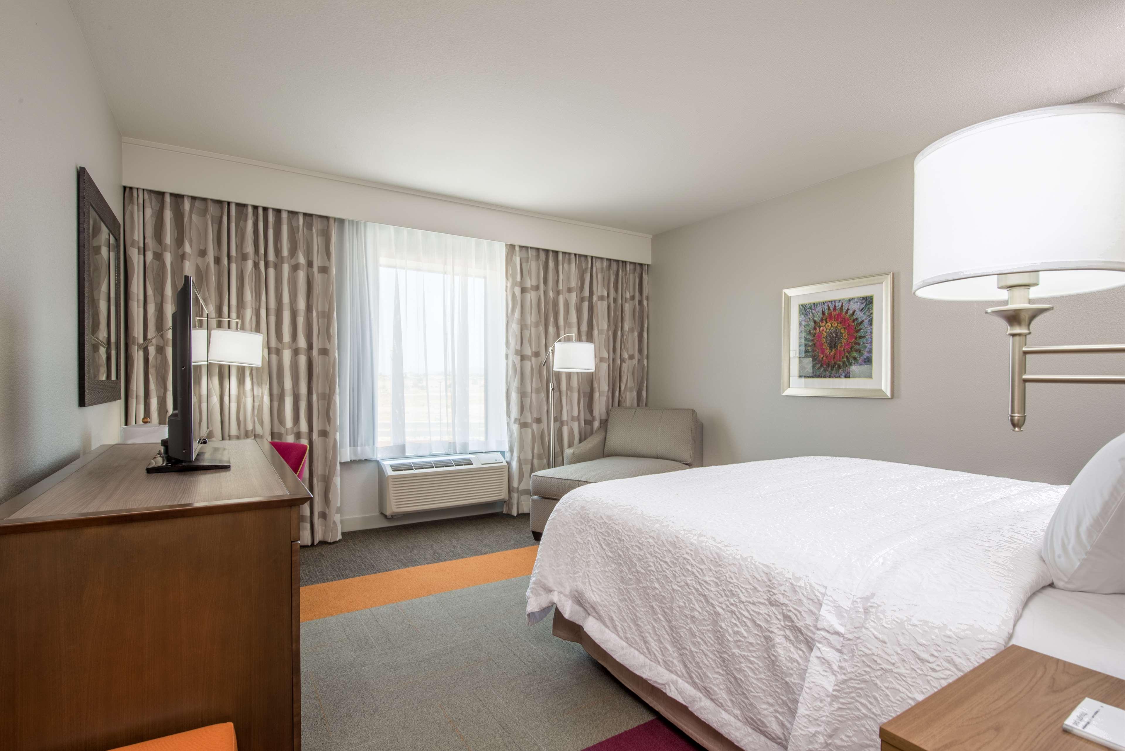 Hampton Inn & Suites Phoenix East Mesa image 15