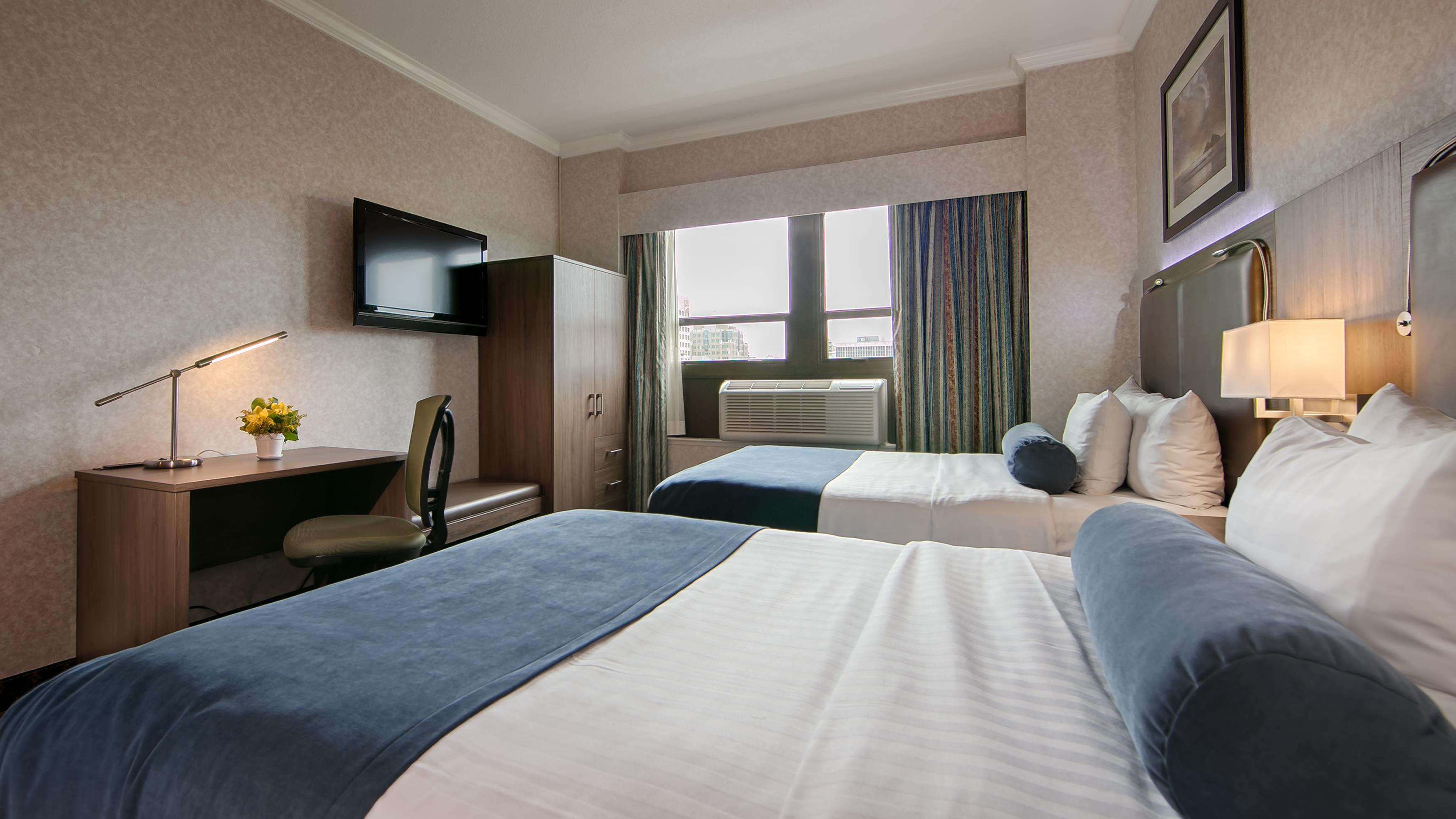 Best Western Plus Carlton Plaza Hotel in Victoria: Traditional Two Double Room