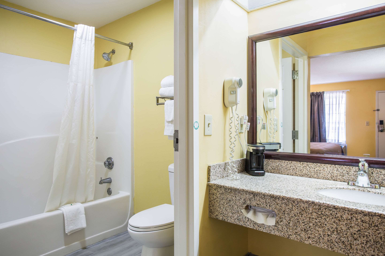 Quality Inn in White House, TN, photo #11