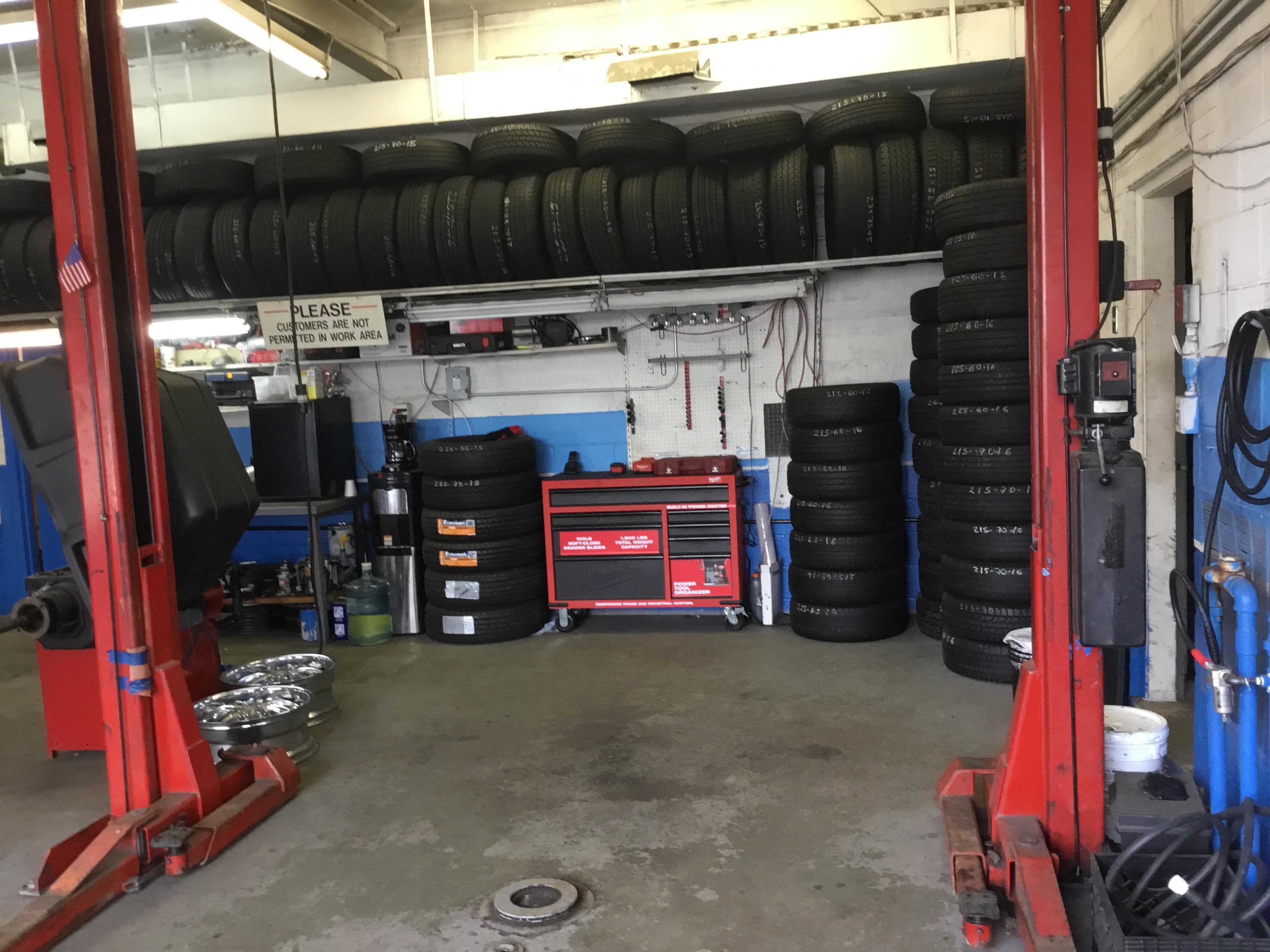 Vulcano Tire Shop image 1