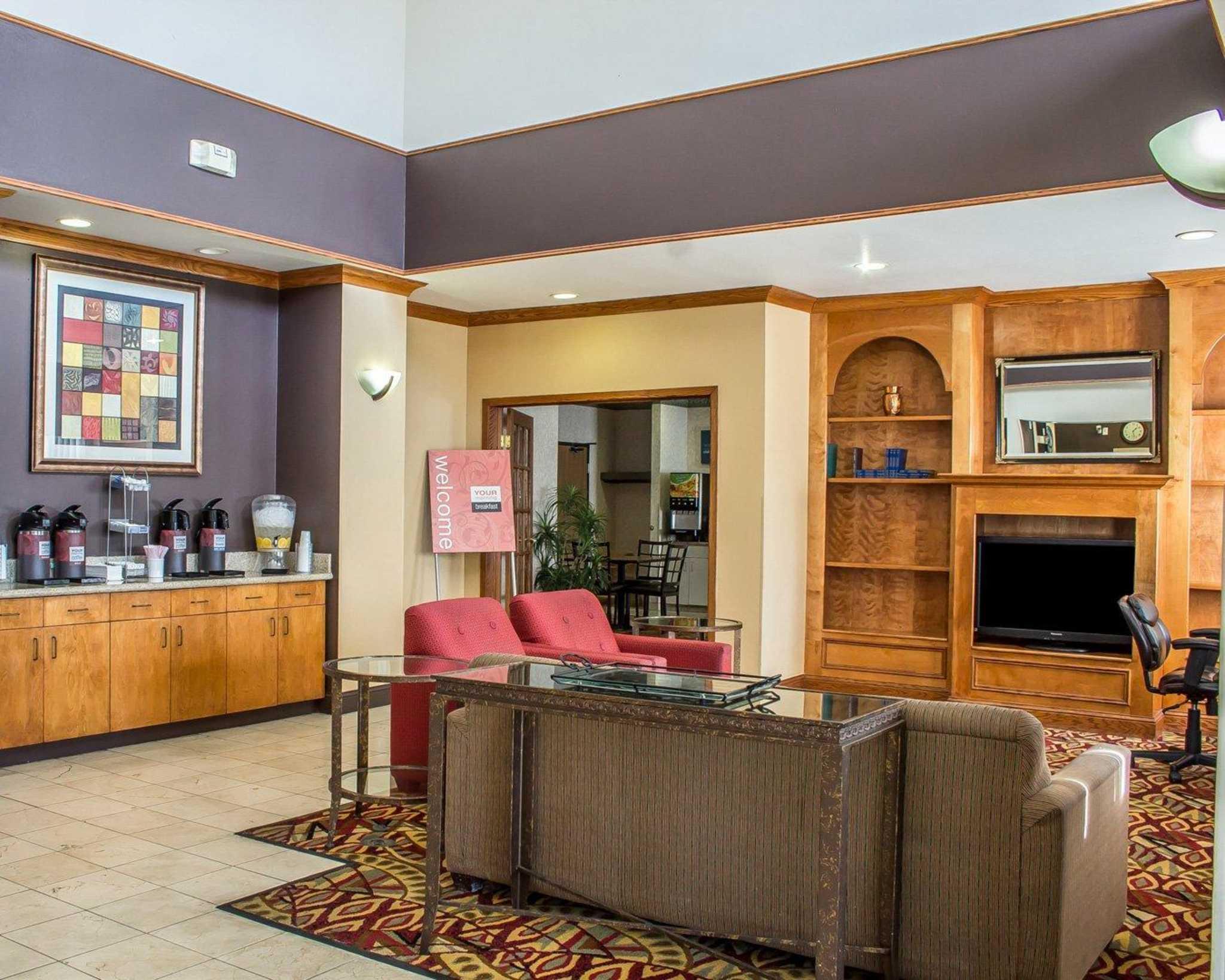Comfort Suites Phoenix North image 16