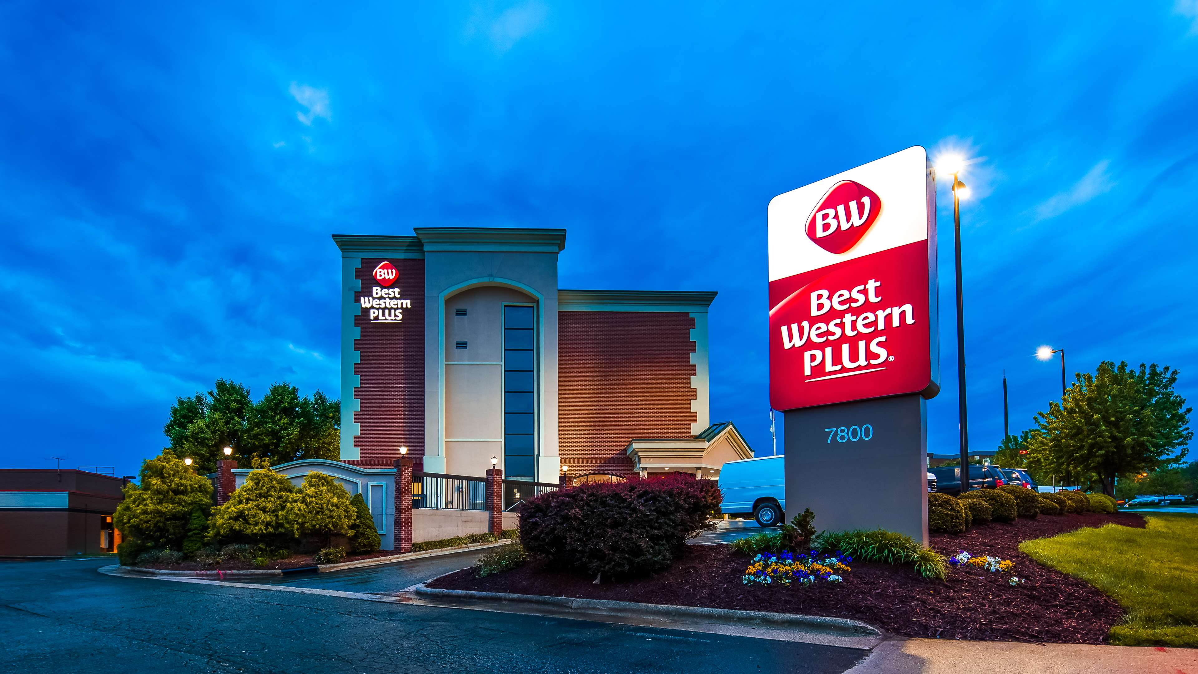 Best Western Plus Greensboro Airport Hotel image 1