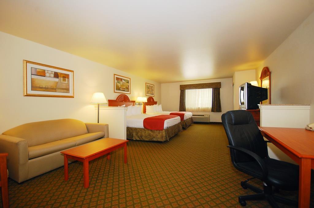 Best Western Henrietta Inn & Suites image 17