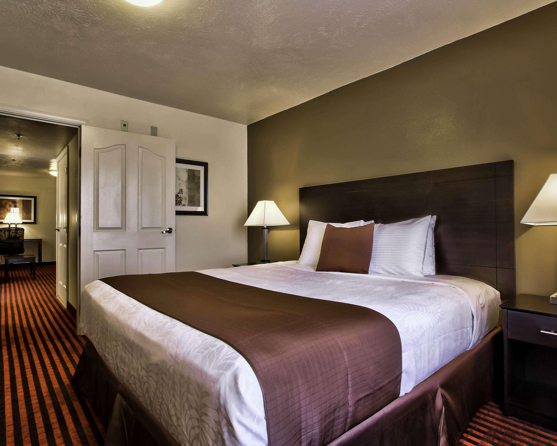 Best Western Plus Salinas Valley Inn & Suites image 9