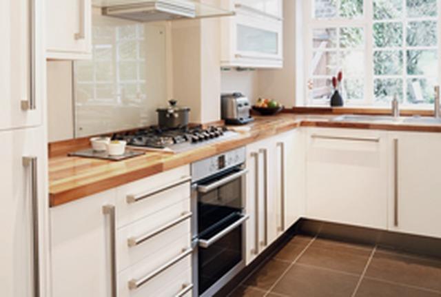 The k team kitchen planners and installers in pontypridd for Q kitchen pontypridd