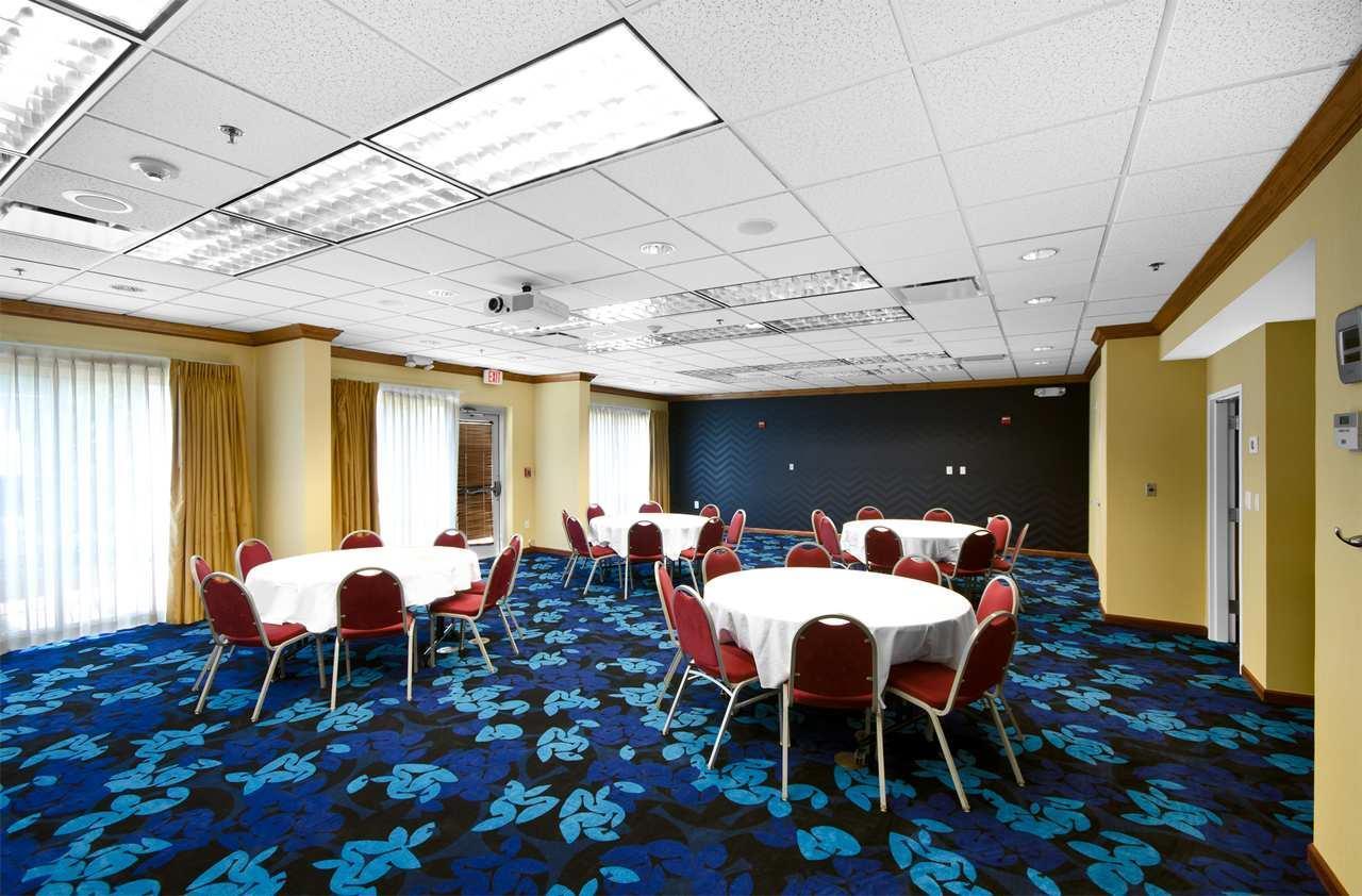 Hampton Inn & Suites Jacksonville South-St. Johns Town Center Area image 16