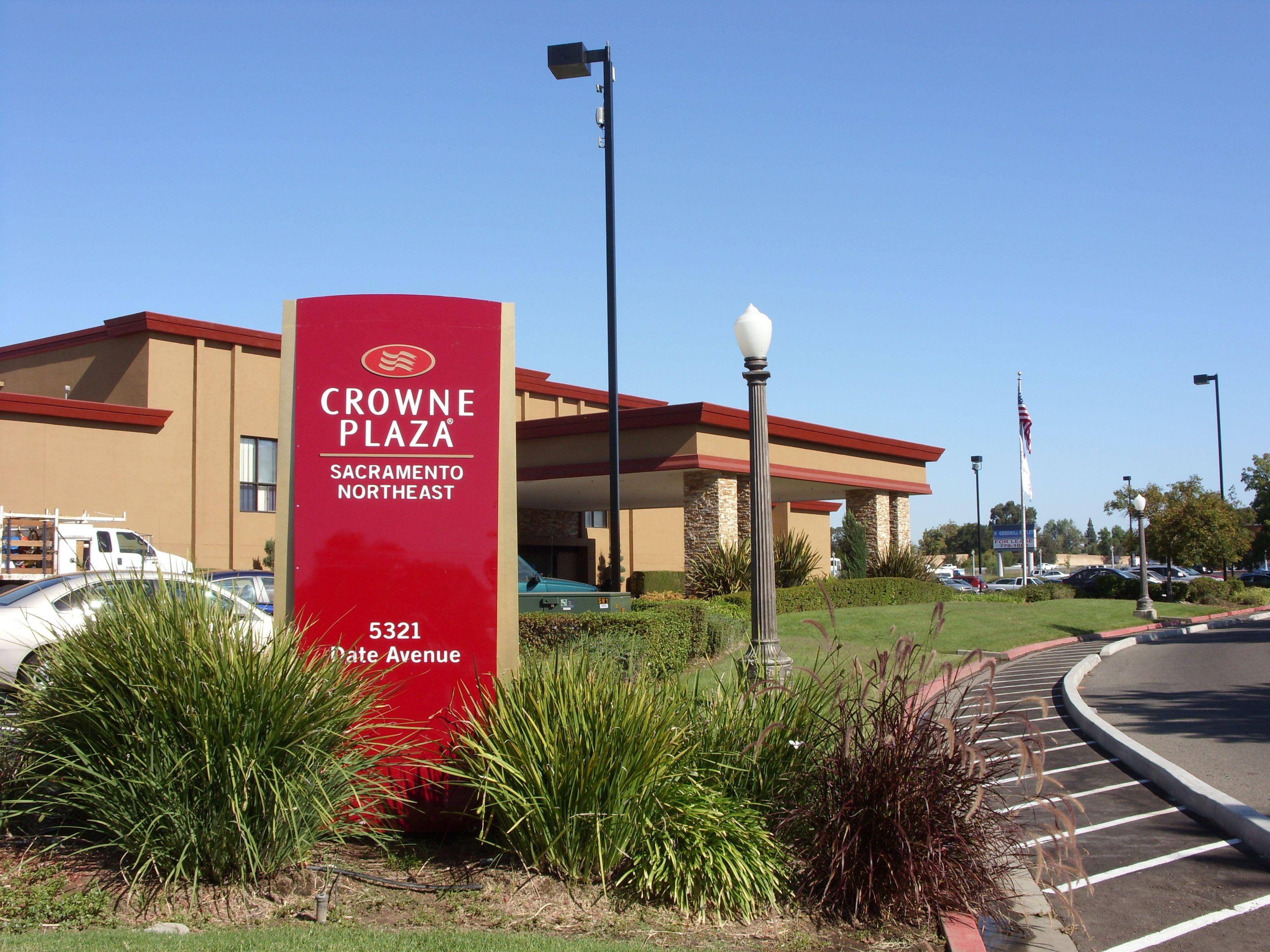 Crowne Plaza Reading image 5