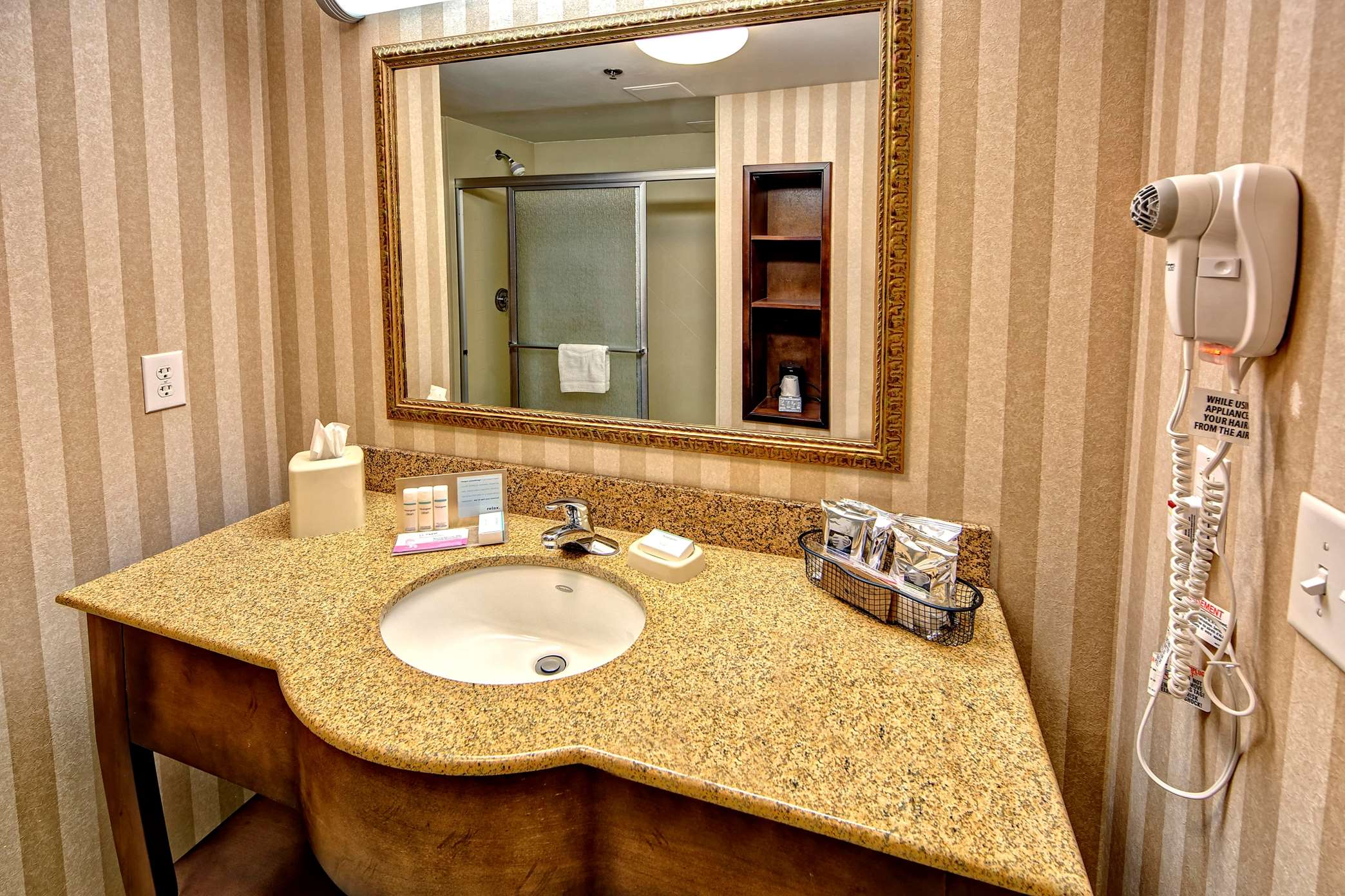 Hampton Inn & Suites Cashiers-Sapphire Valley image 25