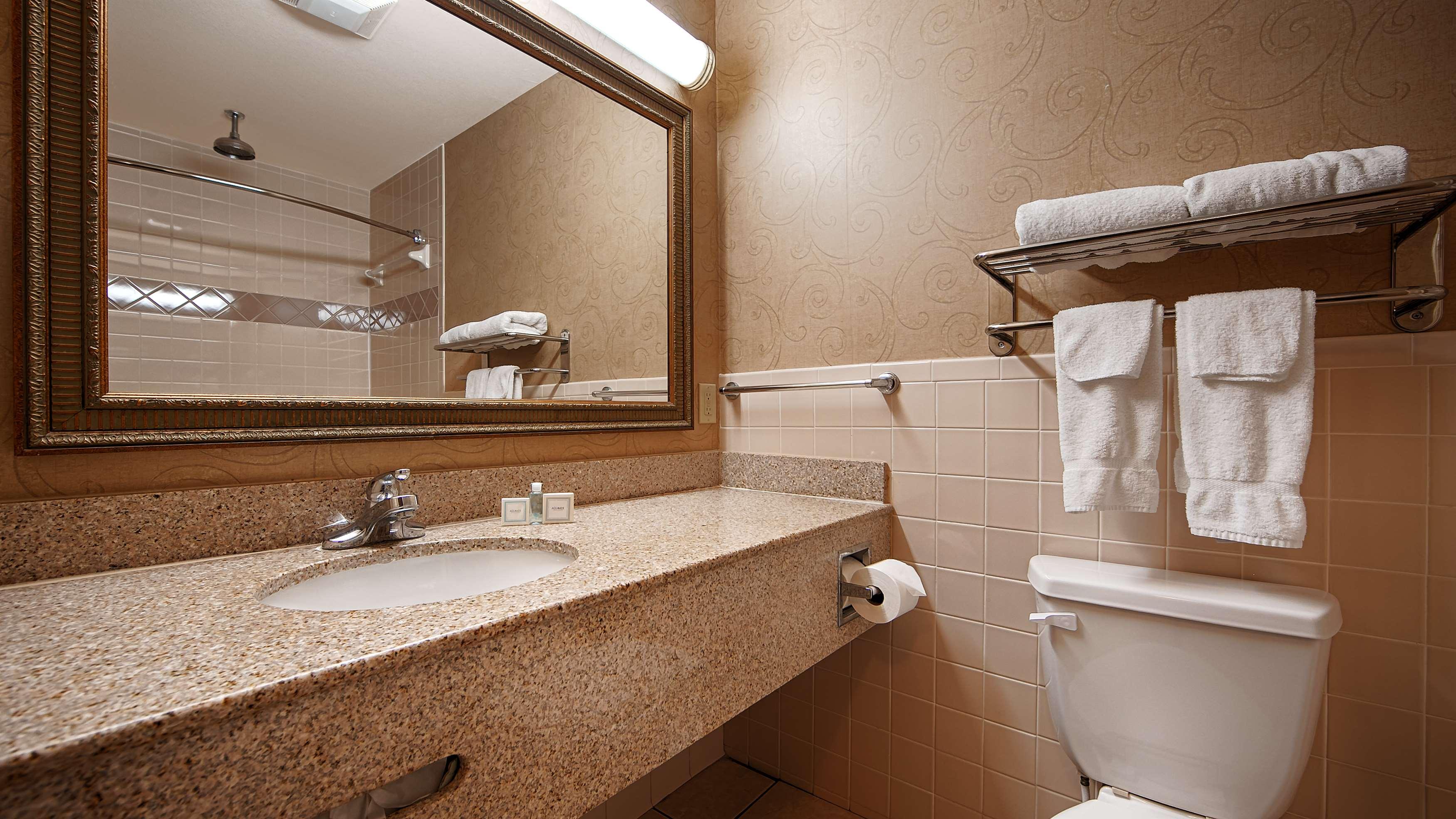 Best Western Casa Villa Suites image 31