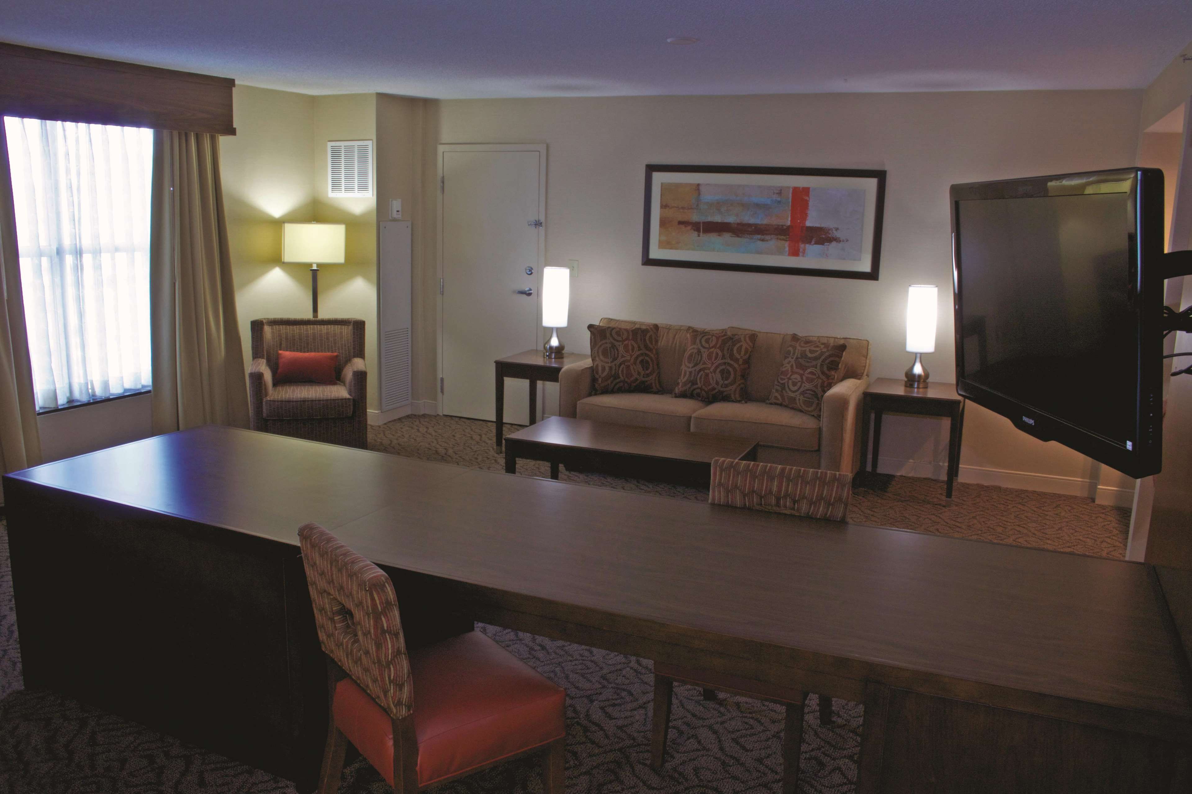 DoubleTree by Hilton Hotel Norfolk Airport image 10