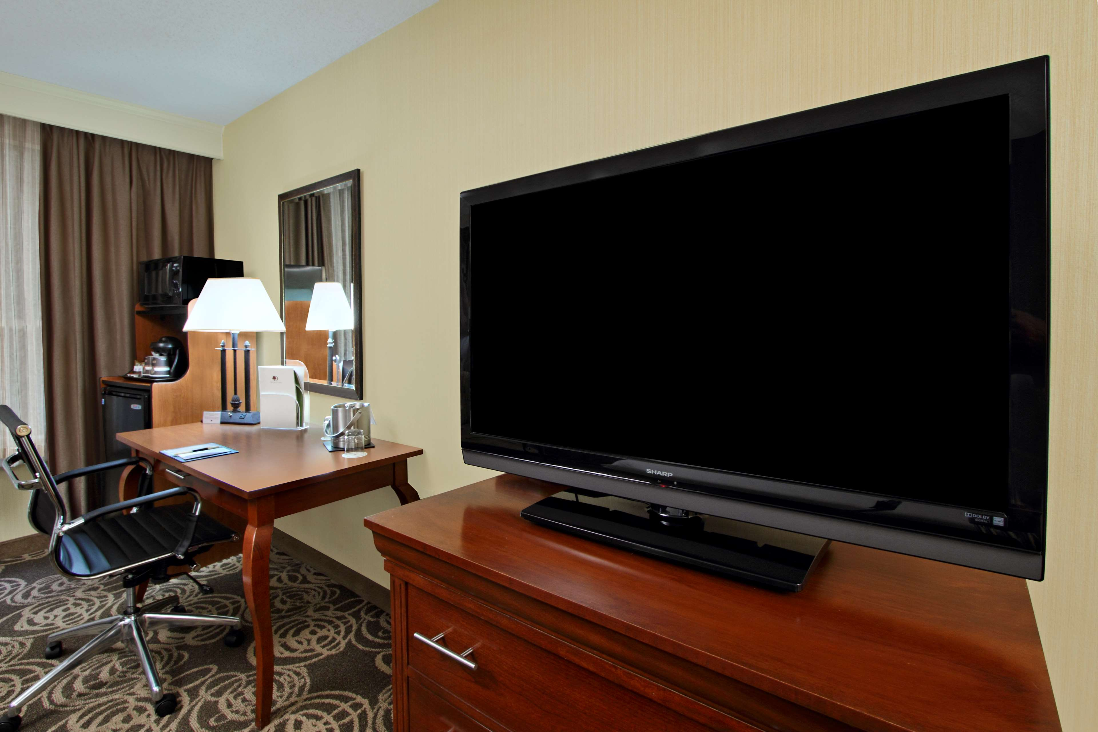 DoubleTree by Hilton Hotel Mahwah image 20