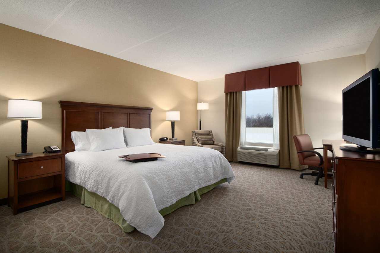 Hampton Inn & Suites Charles Town image 6