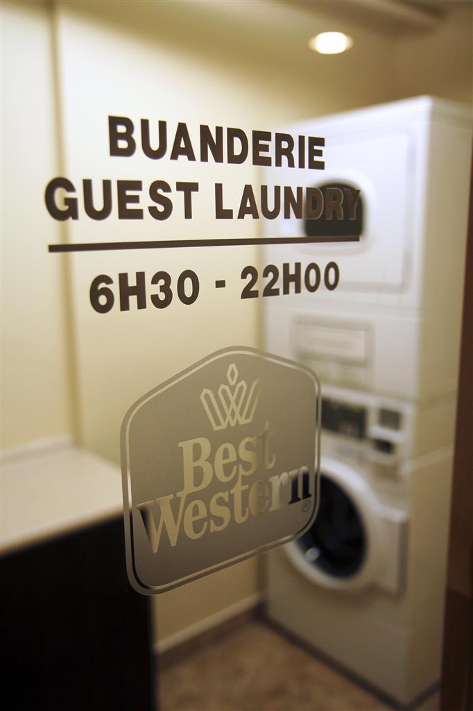Best Western Hotel Brossard à Brossard: Guest Laundry Room