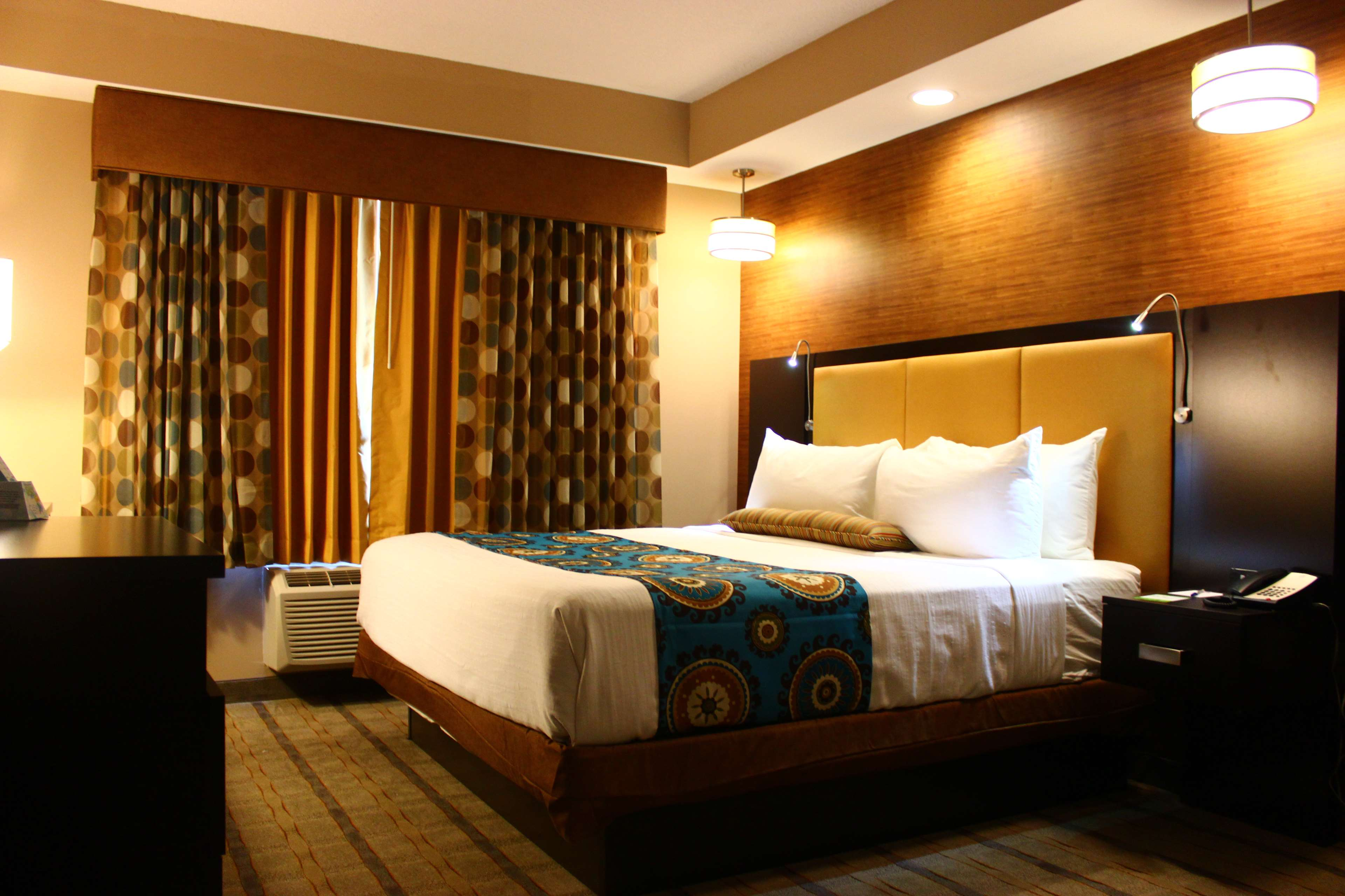 Best Western Plus Kendall Airport Hotel & Suites image 22