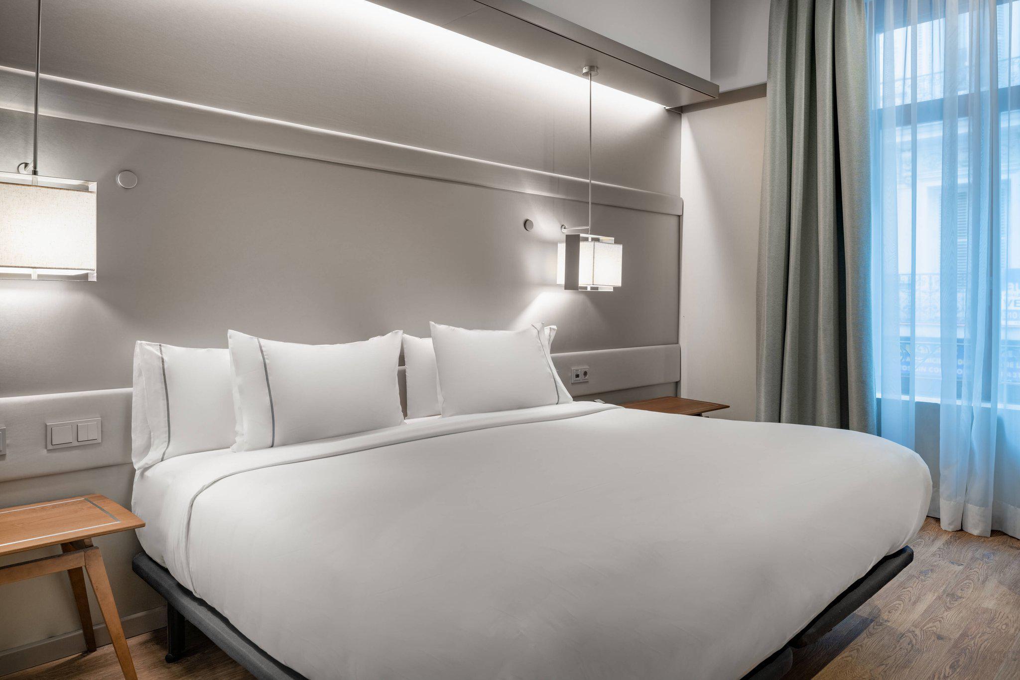 AC Hotel by Marriott Recoletos
