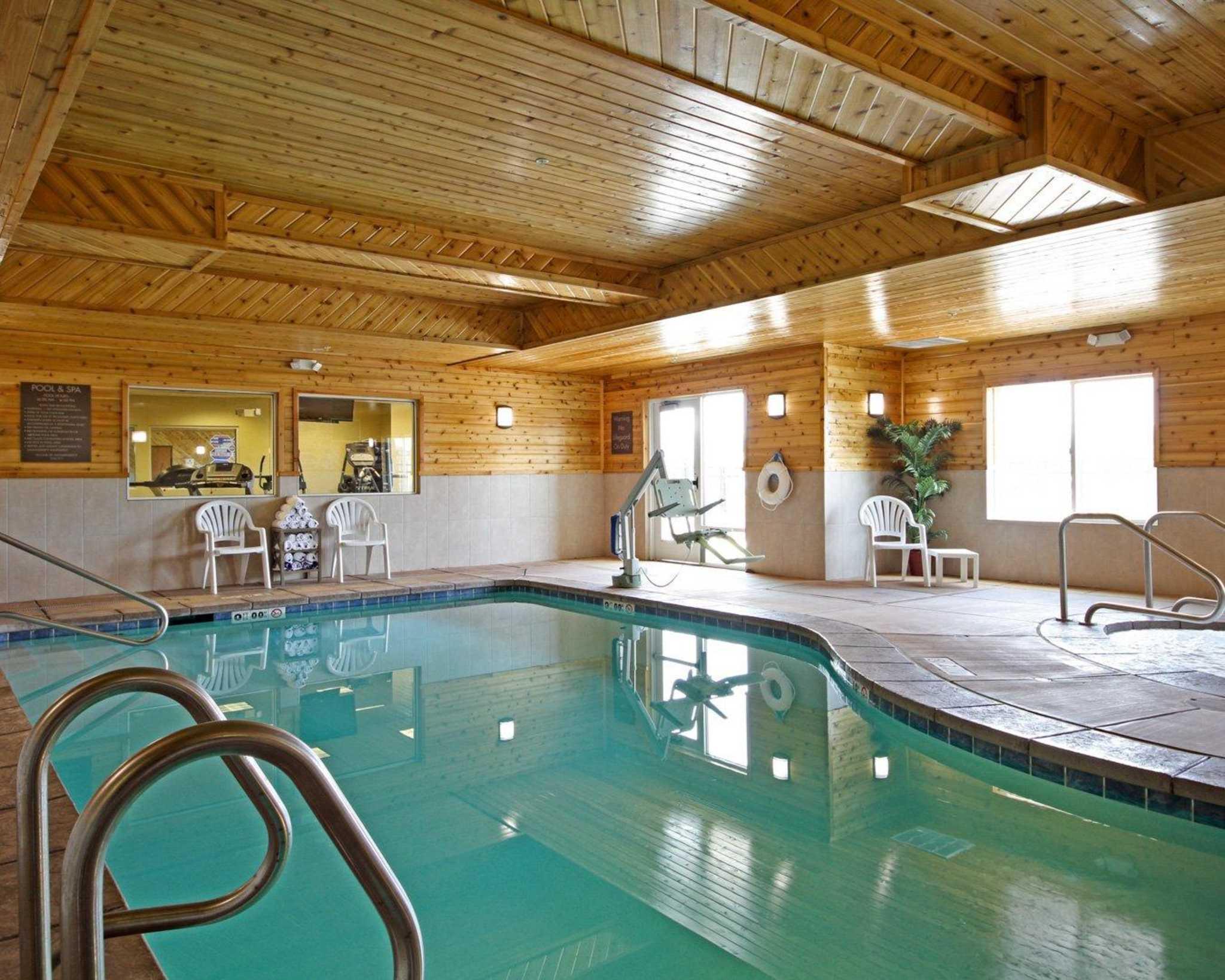 Comfort Suites Redding - Shasta Lake image 5