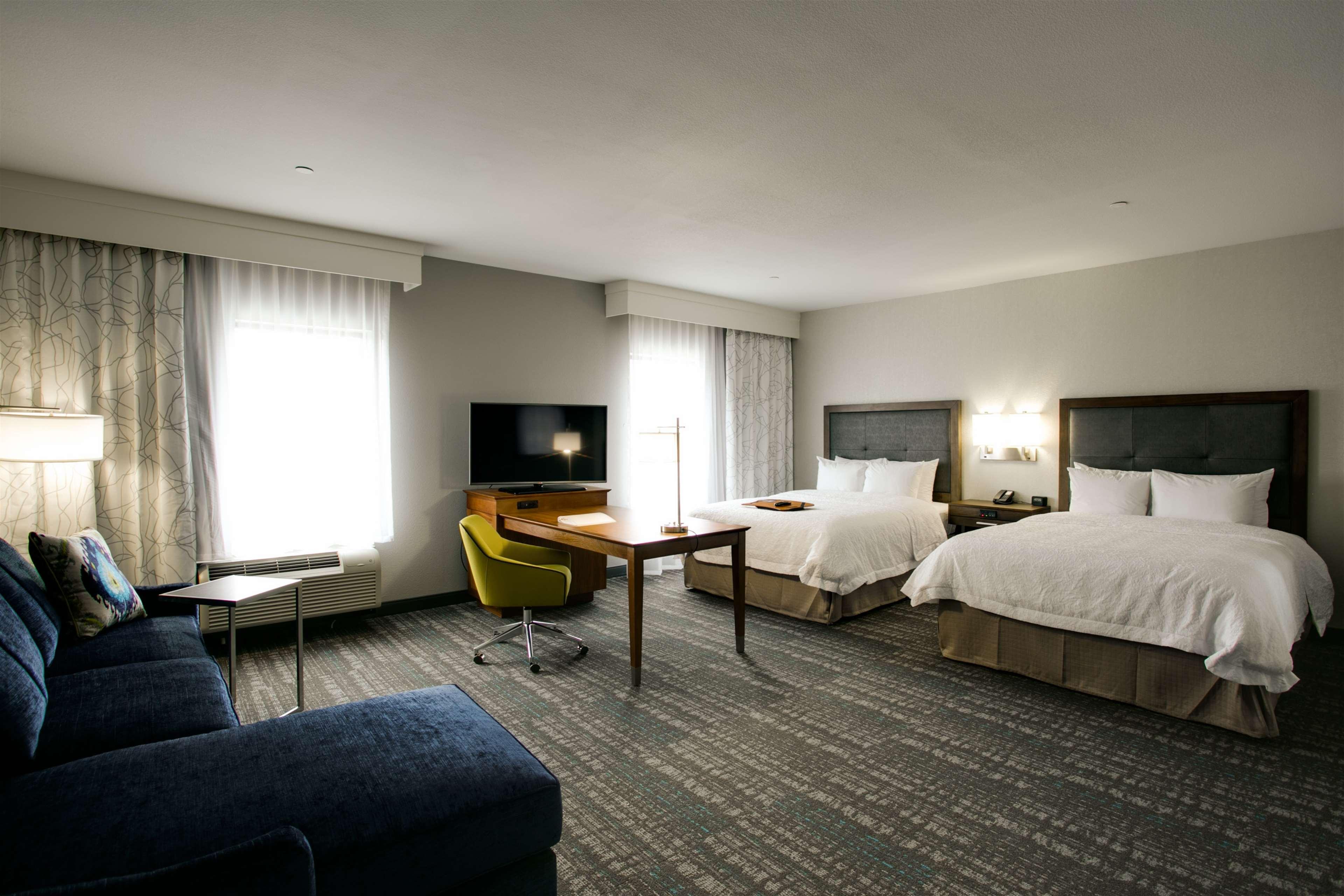 Hampton Inn & Suites Dallas/Ft. Worth Airport South image 25