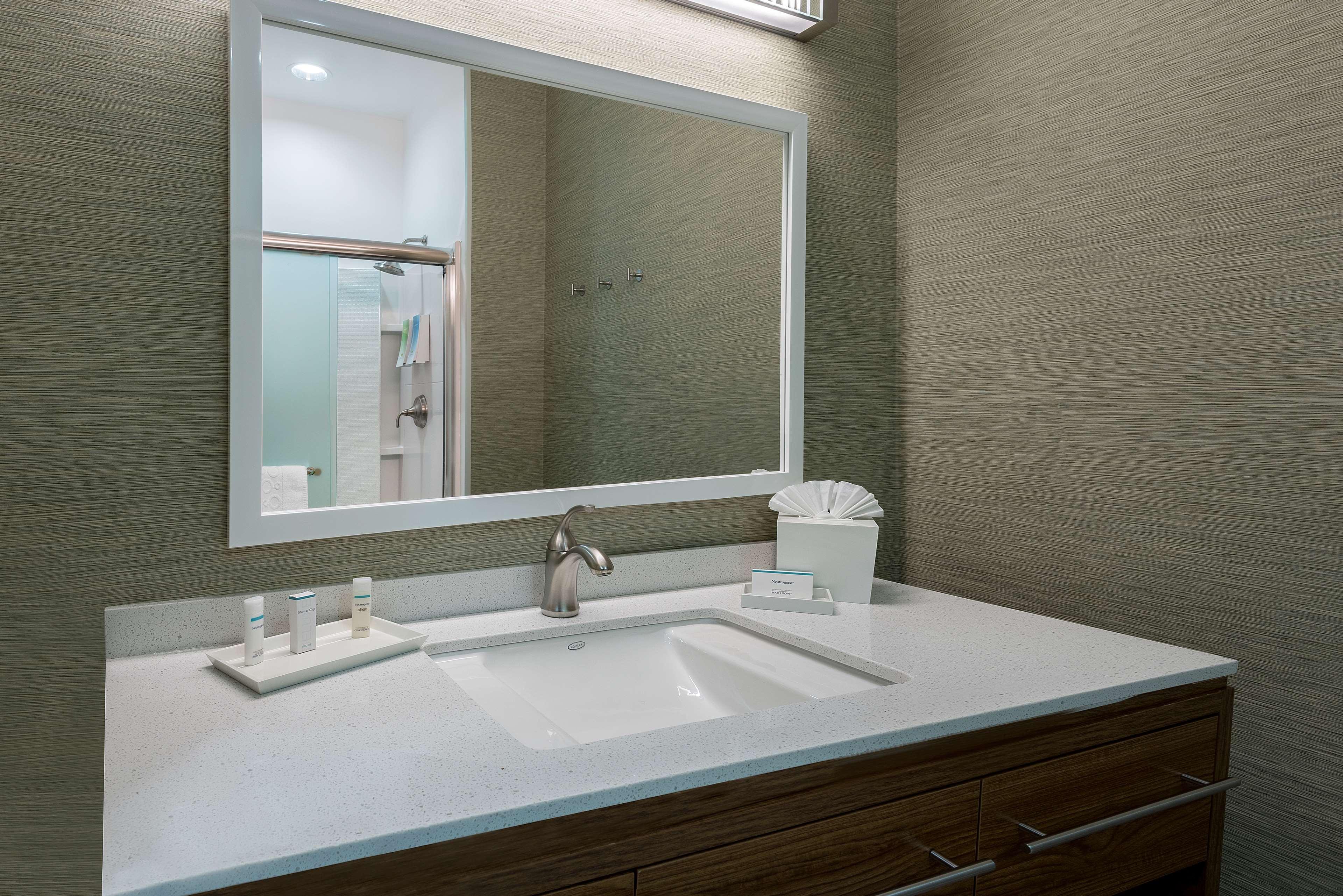 Home2 Suites by Hilton Austin Airport image 29