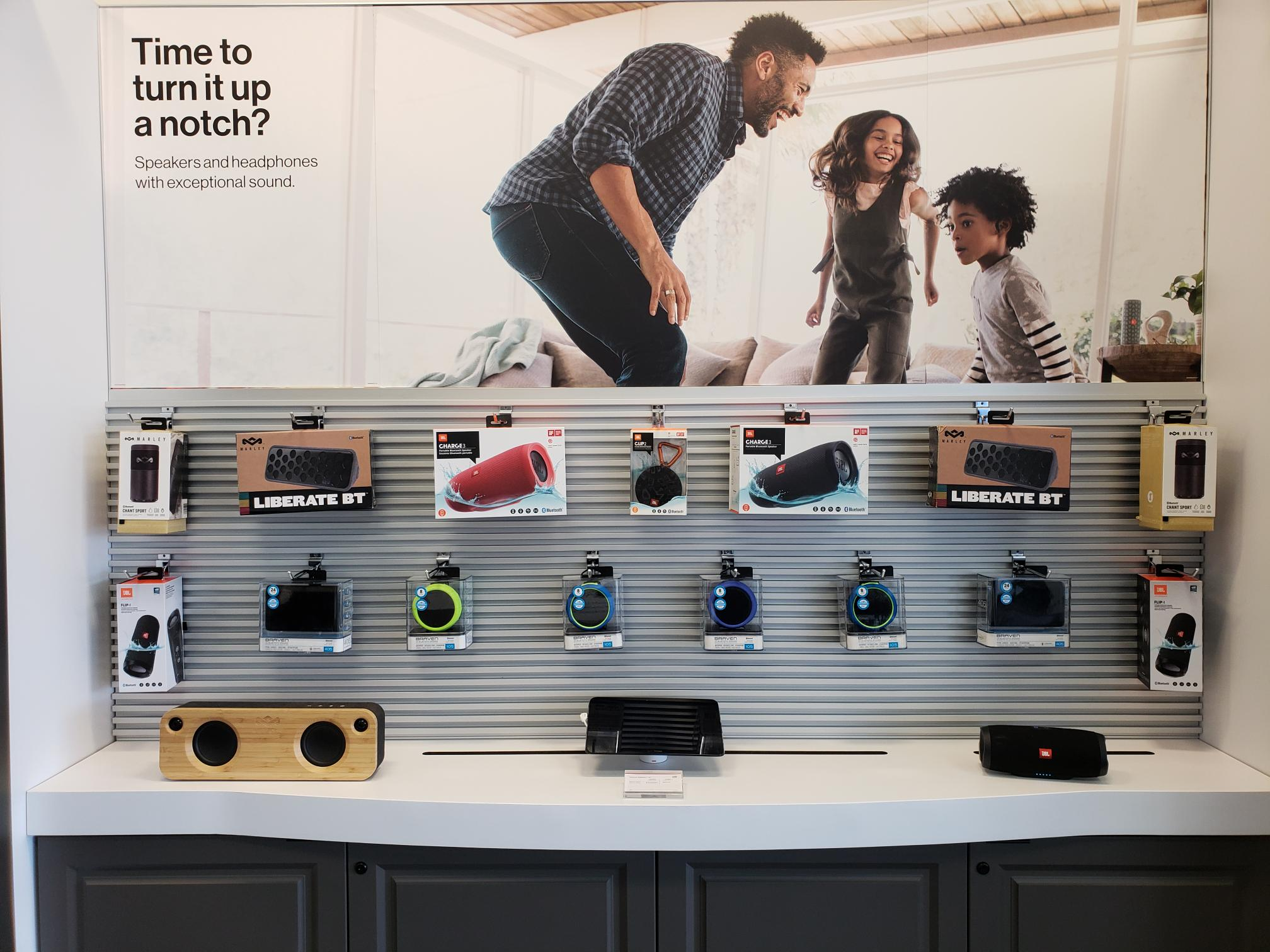 Verizon Authorized Retailer – TCC image 13