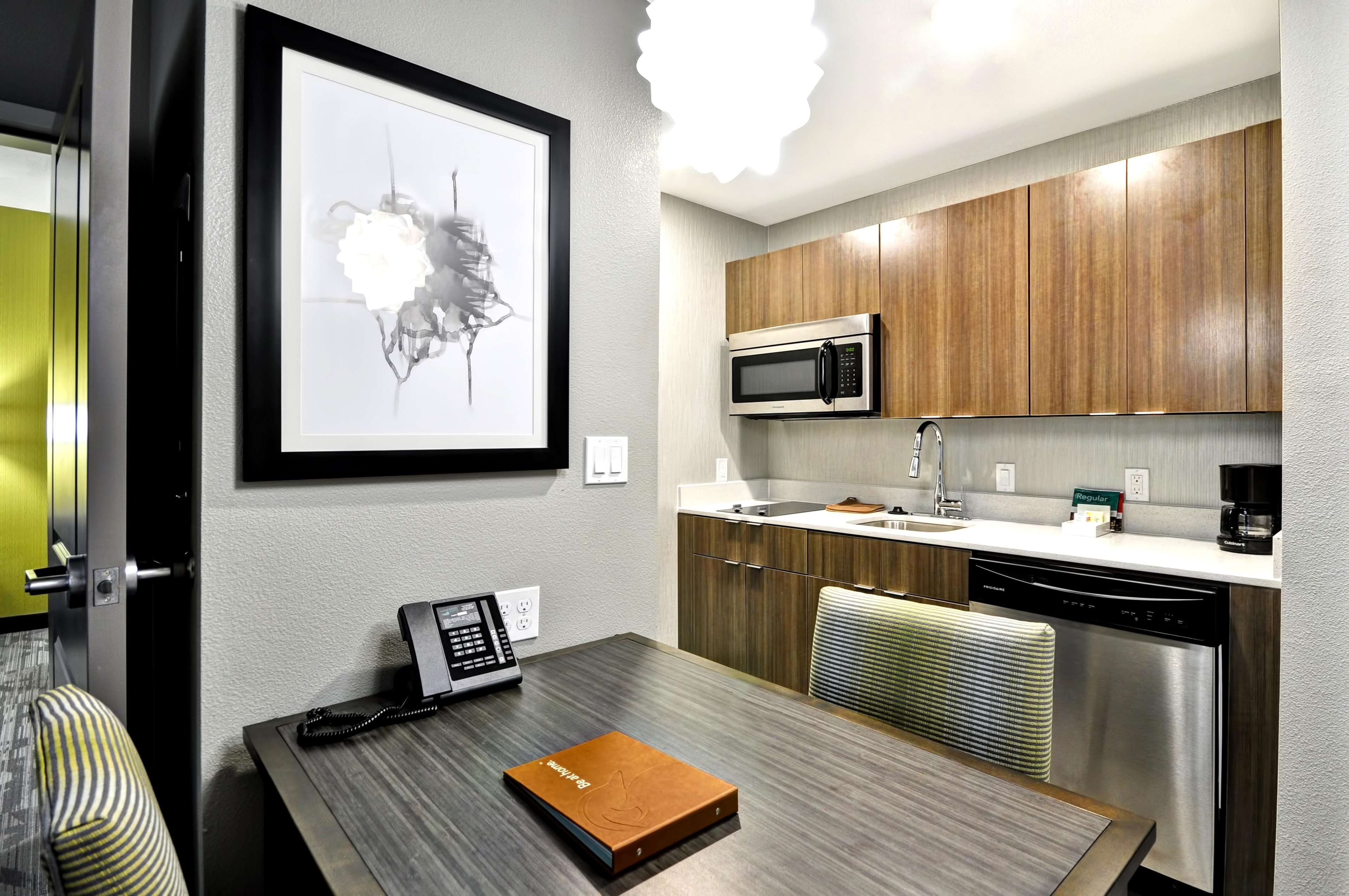 Homewood Suites by Hilton Tyler image 31