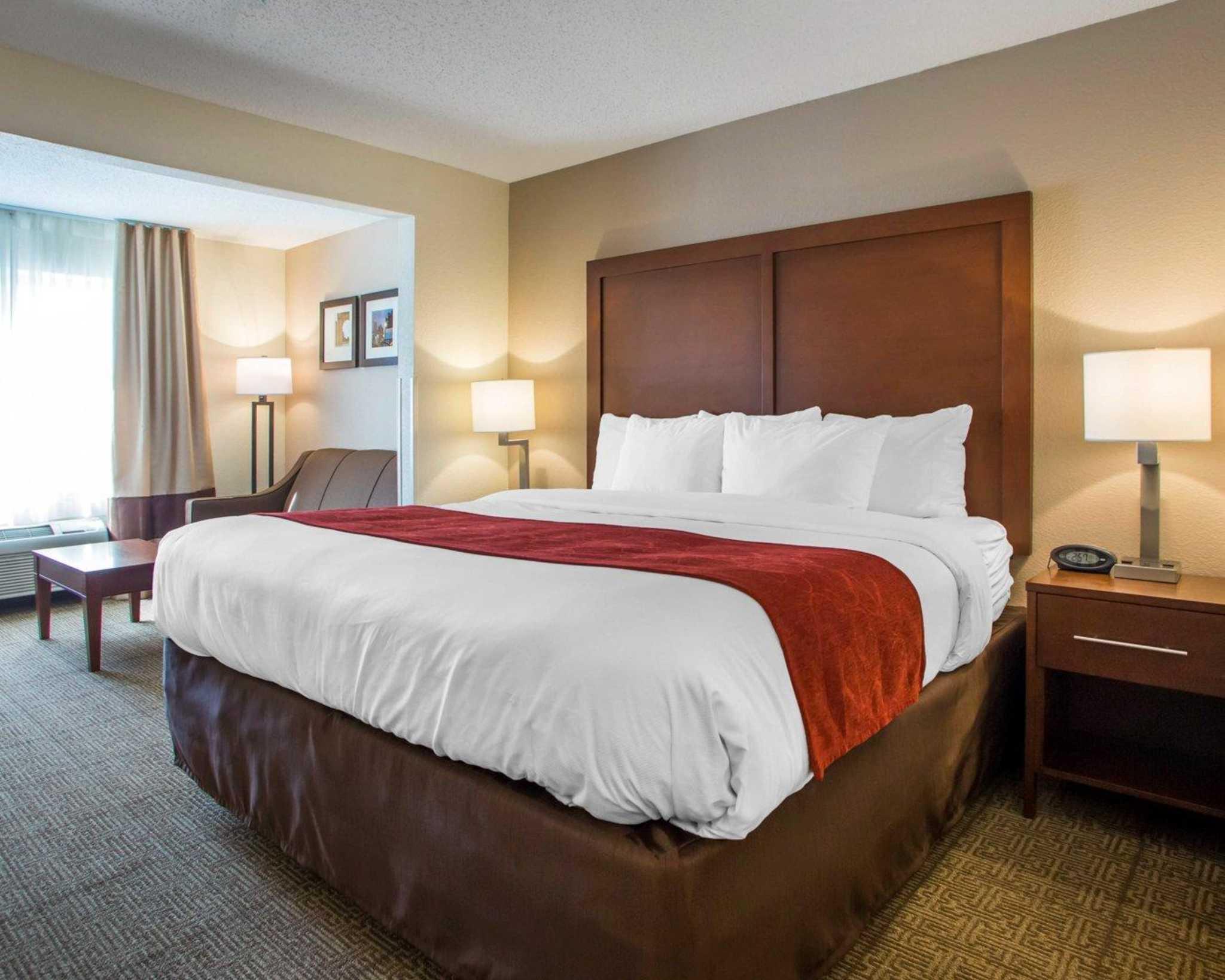 Comfort Suites Columbus West- Hilliard image 5