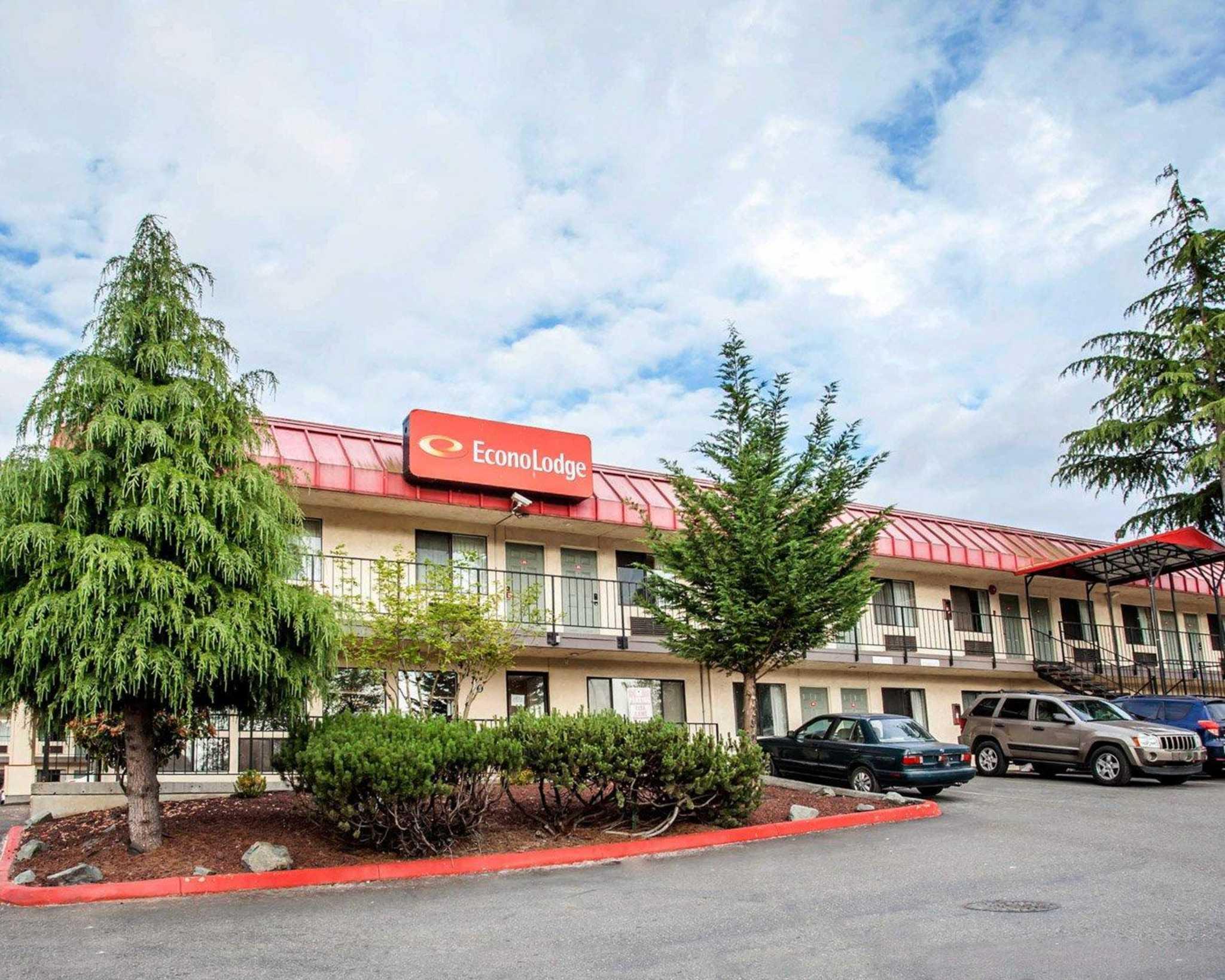 Econo Lodge Renton-Bellevue image 1