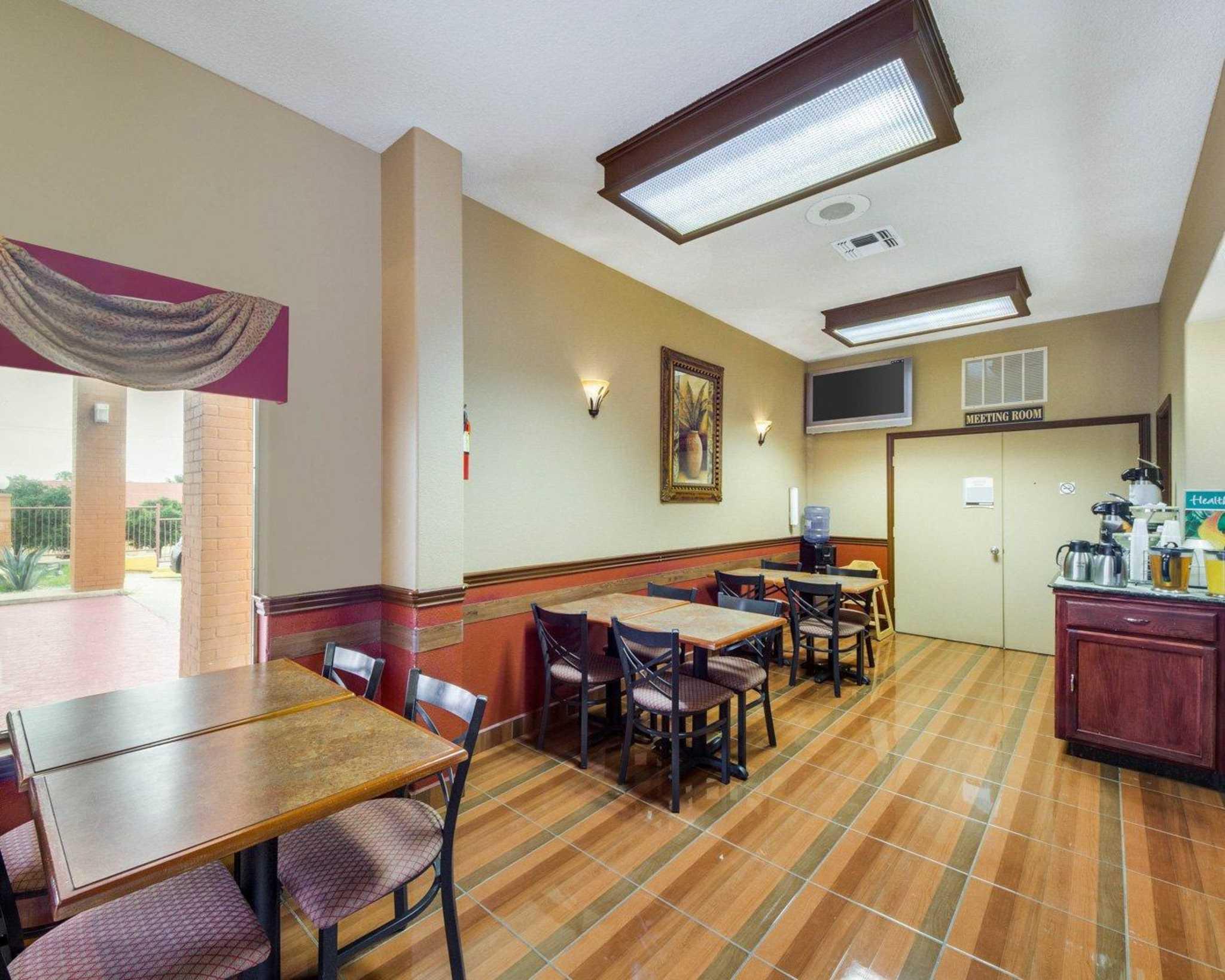 Quality Inn & Suites Eagle Pass image 19