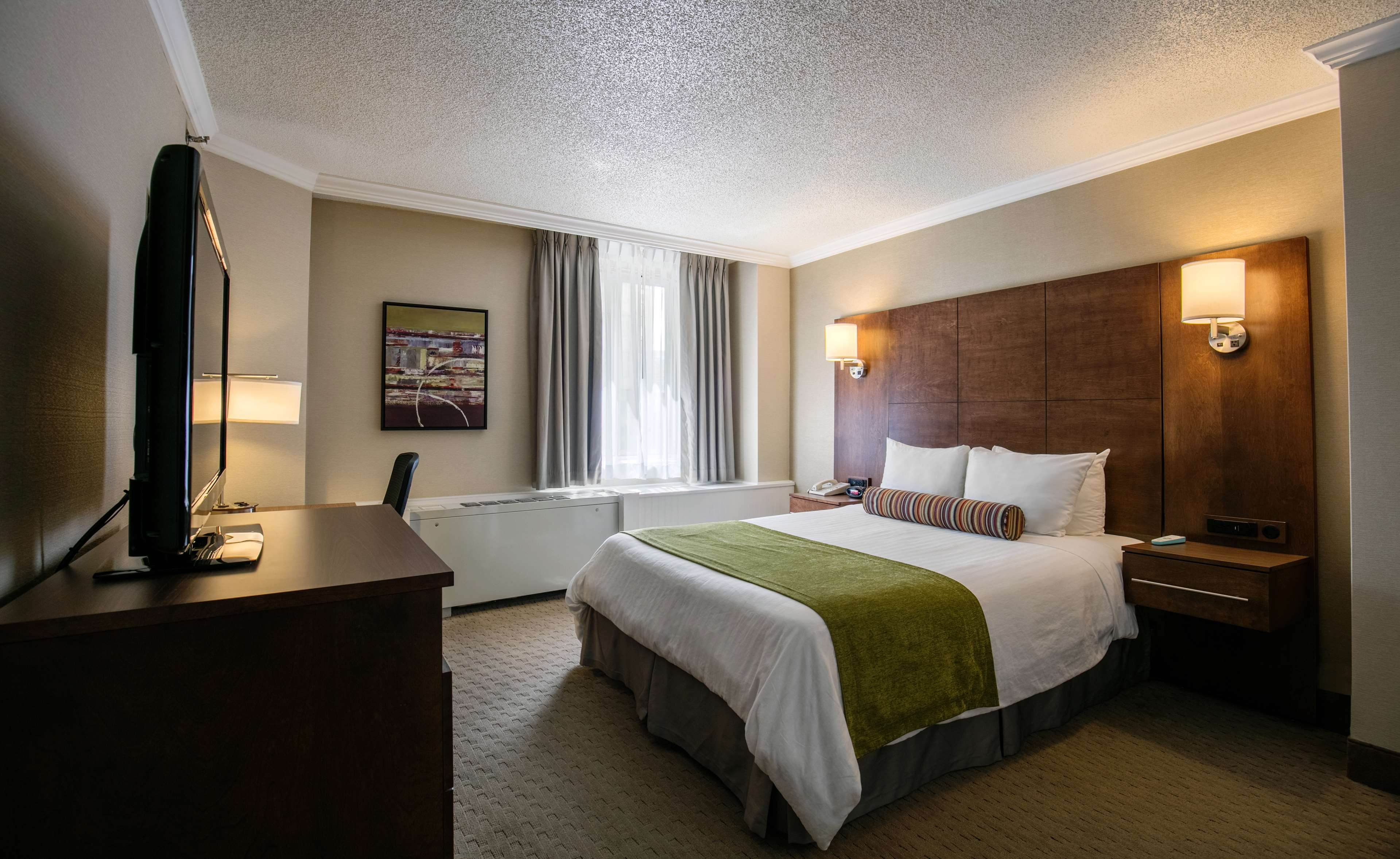 Best Western Ville-Marie Montreal Hotel & Suites à Montreal: One Double bed