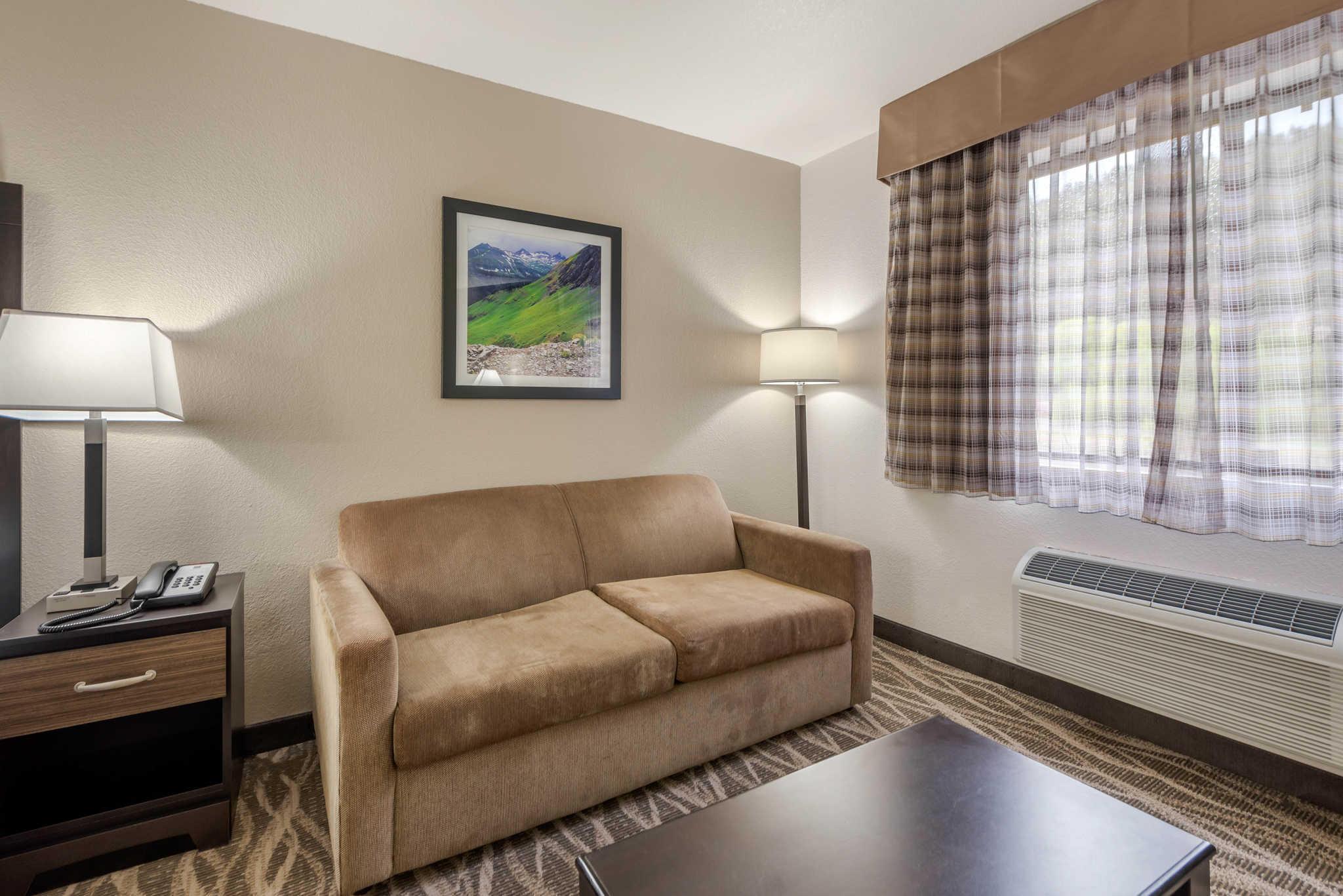 Quality Inn & Suites image 31