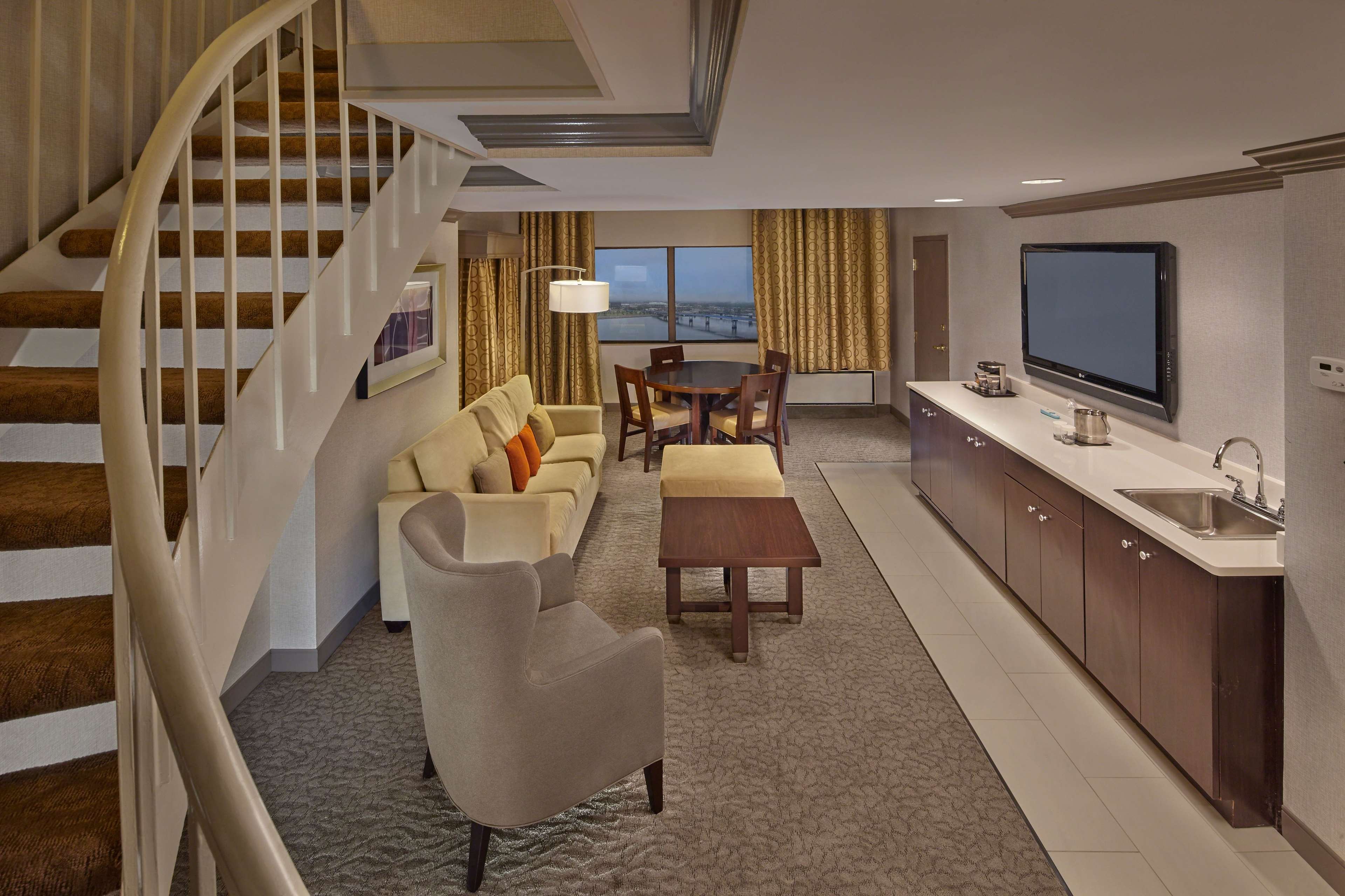DoubleTree by Hilton Hotel Little Rock image 29