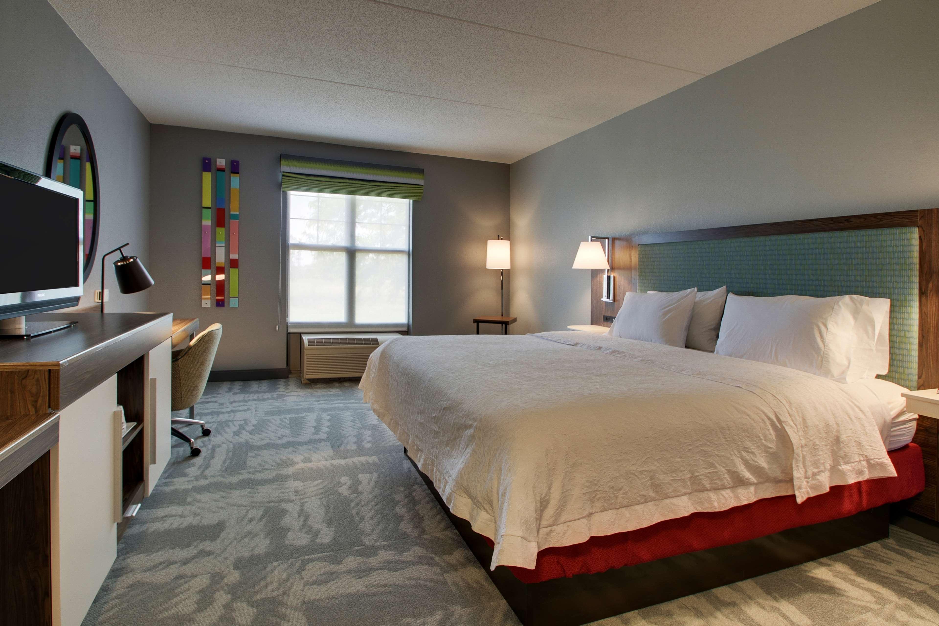 Hampton Inn & Suites Chicago/Aurora image 19