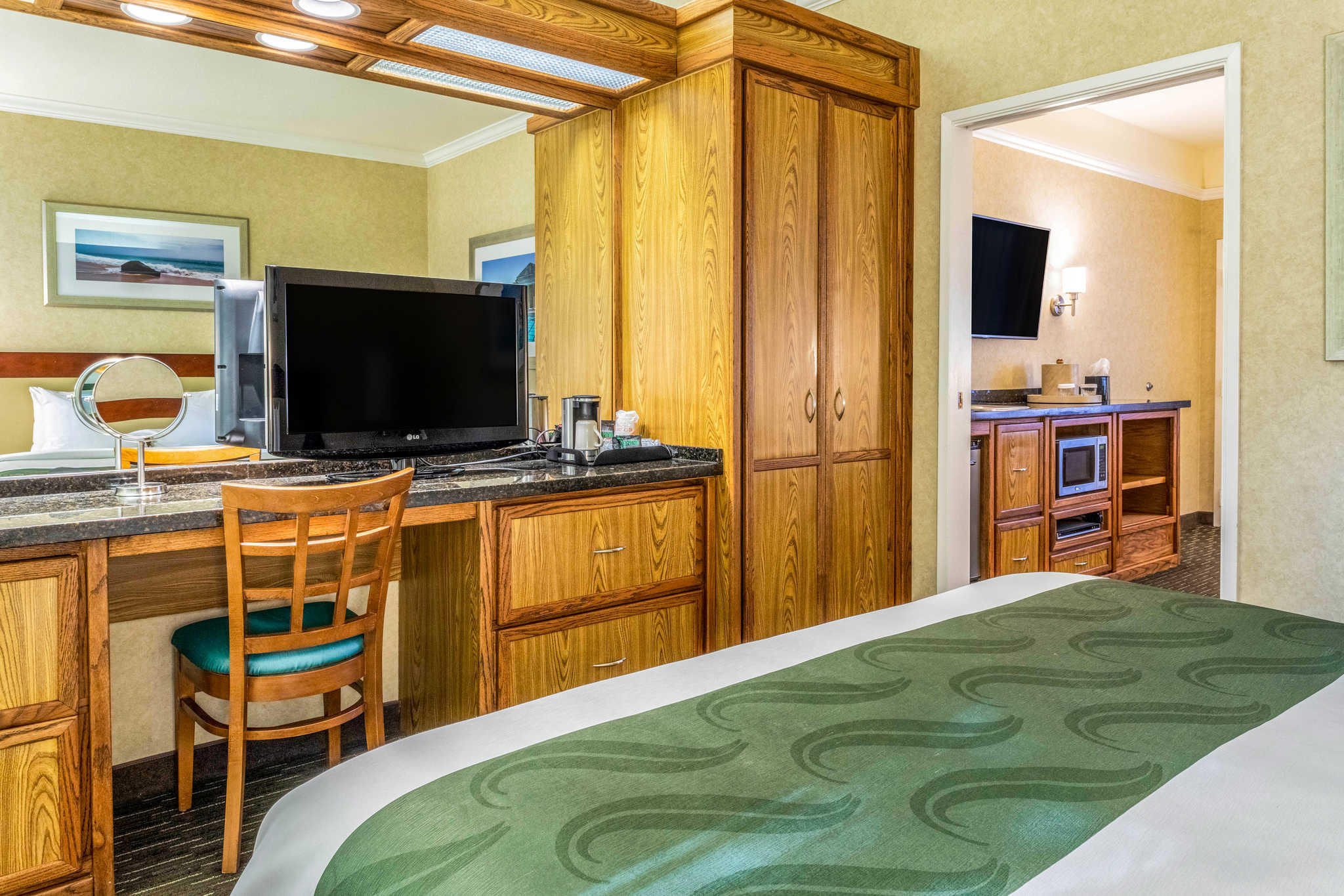 Quality Suites Downtown San Luis Obispo image 7