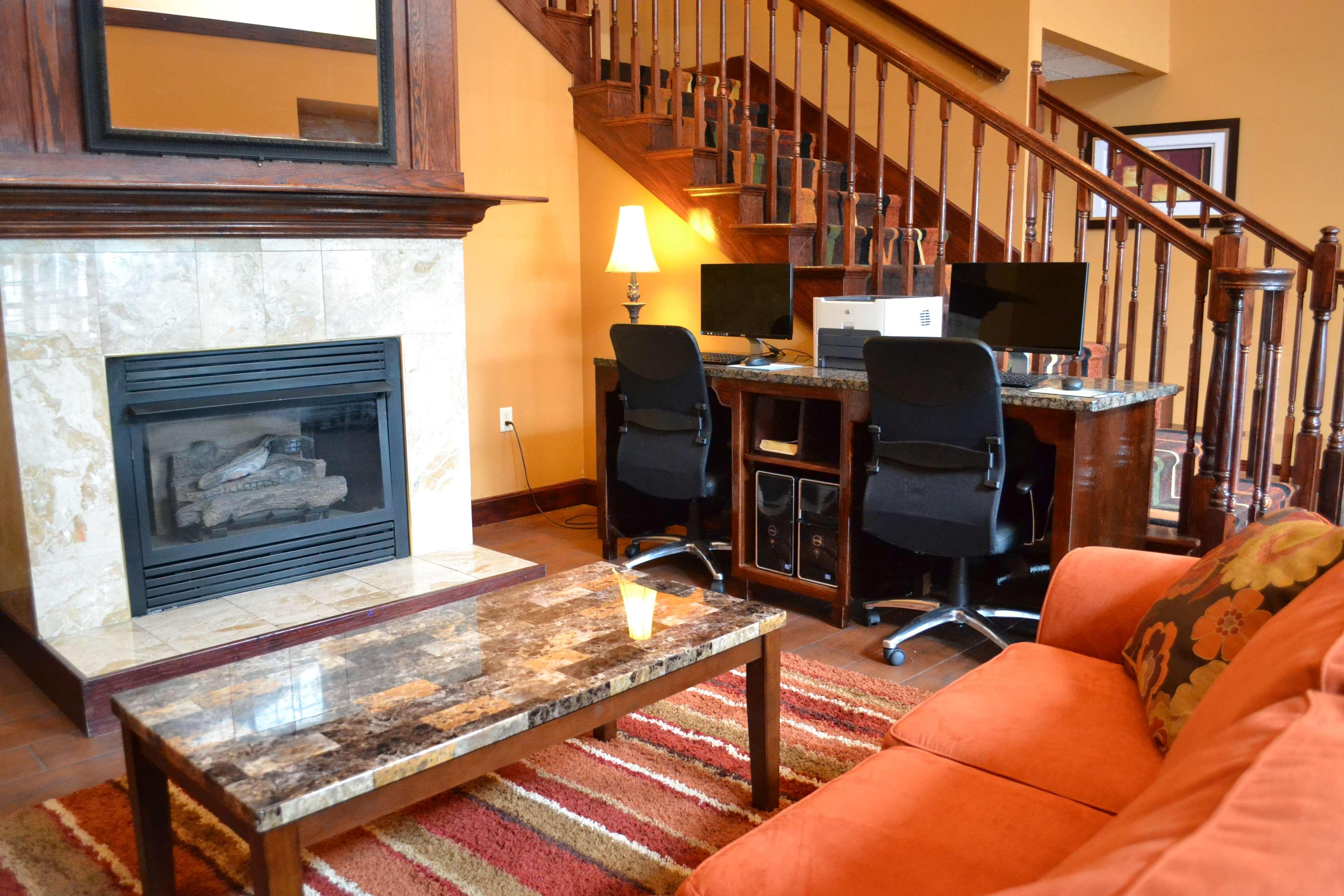 Best Western Plus Fort Wayne Inn & Suites North image 28
