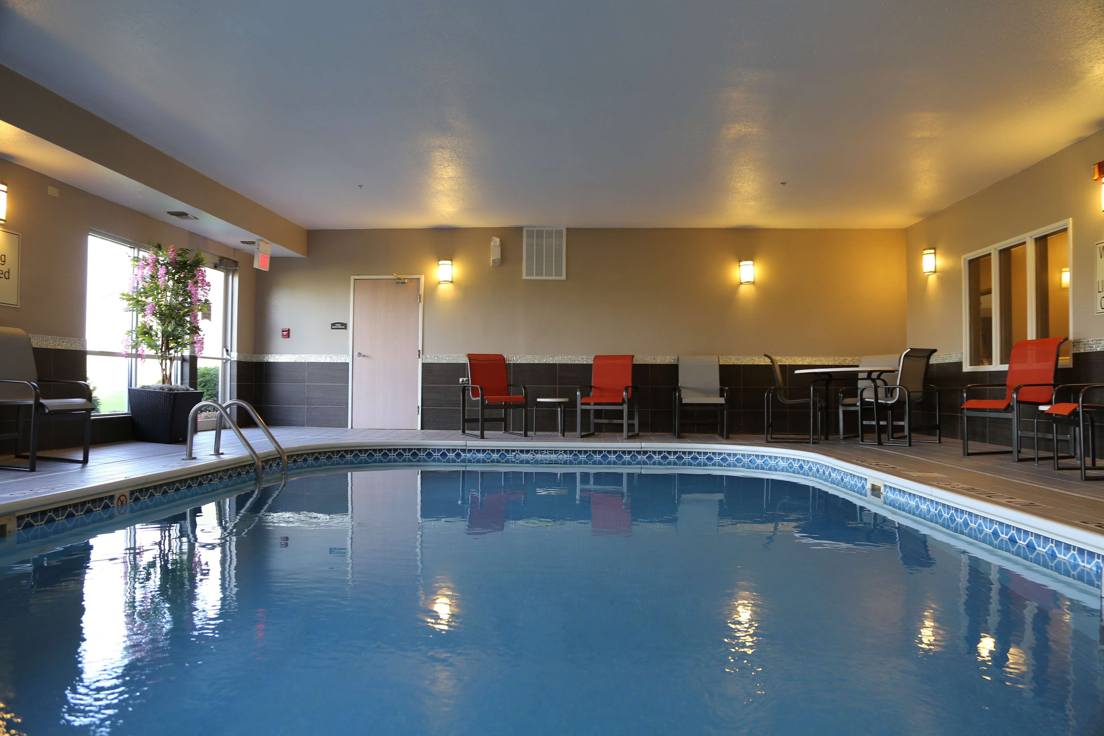 Best Western Pearl City Inn Muscatine Ia Company Page