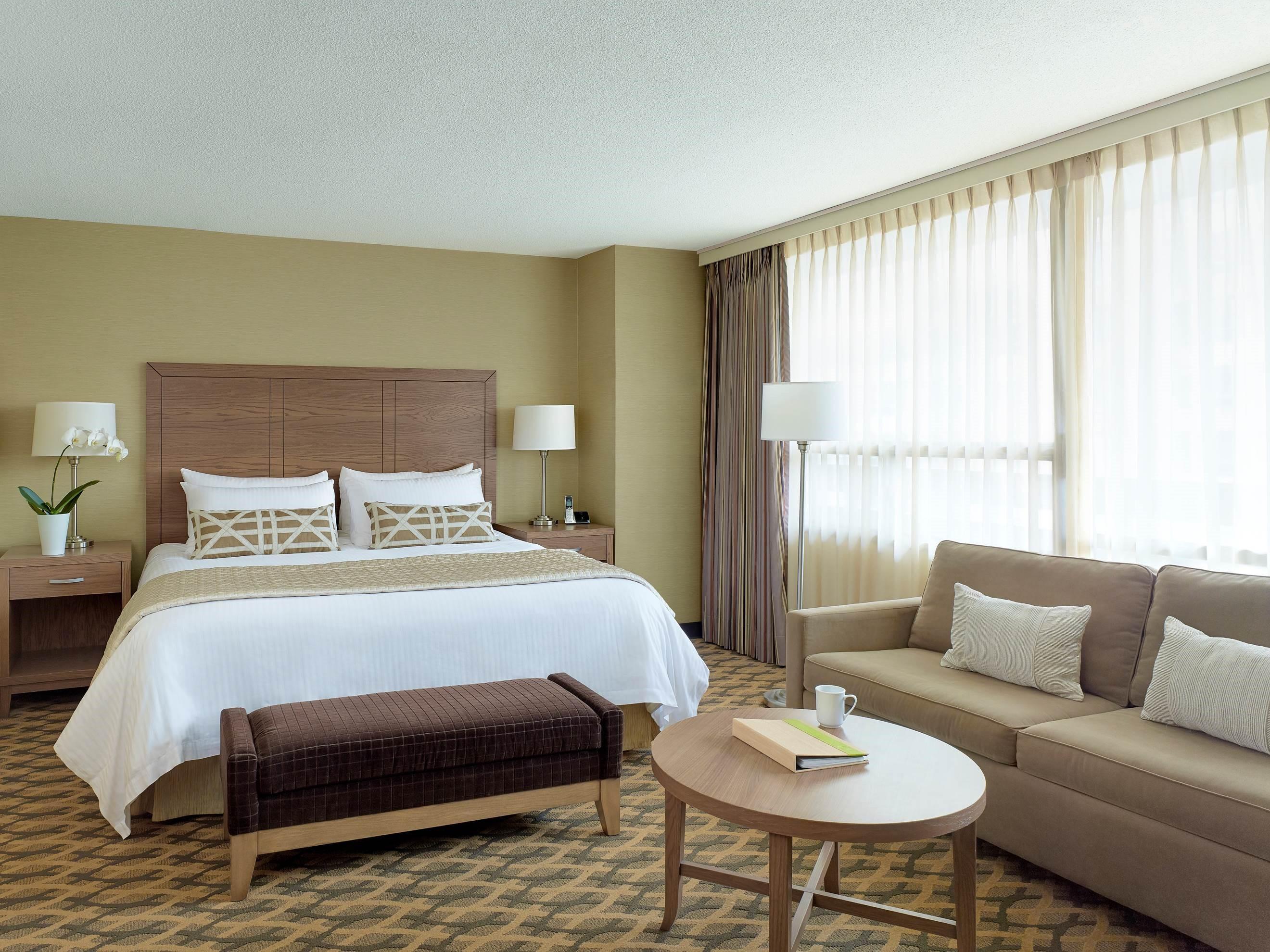 CHELSEA HOTEL, TORONTO in Toronto: Studio Kitchenette
