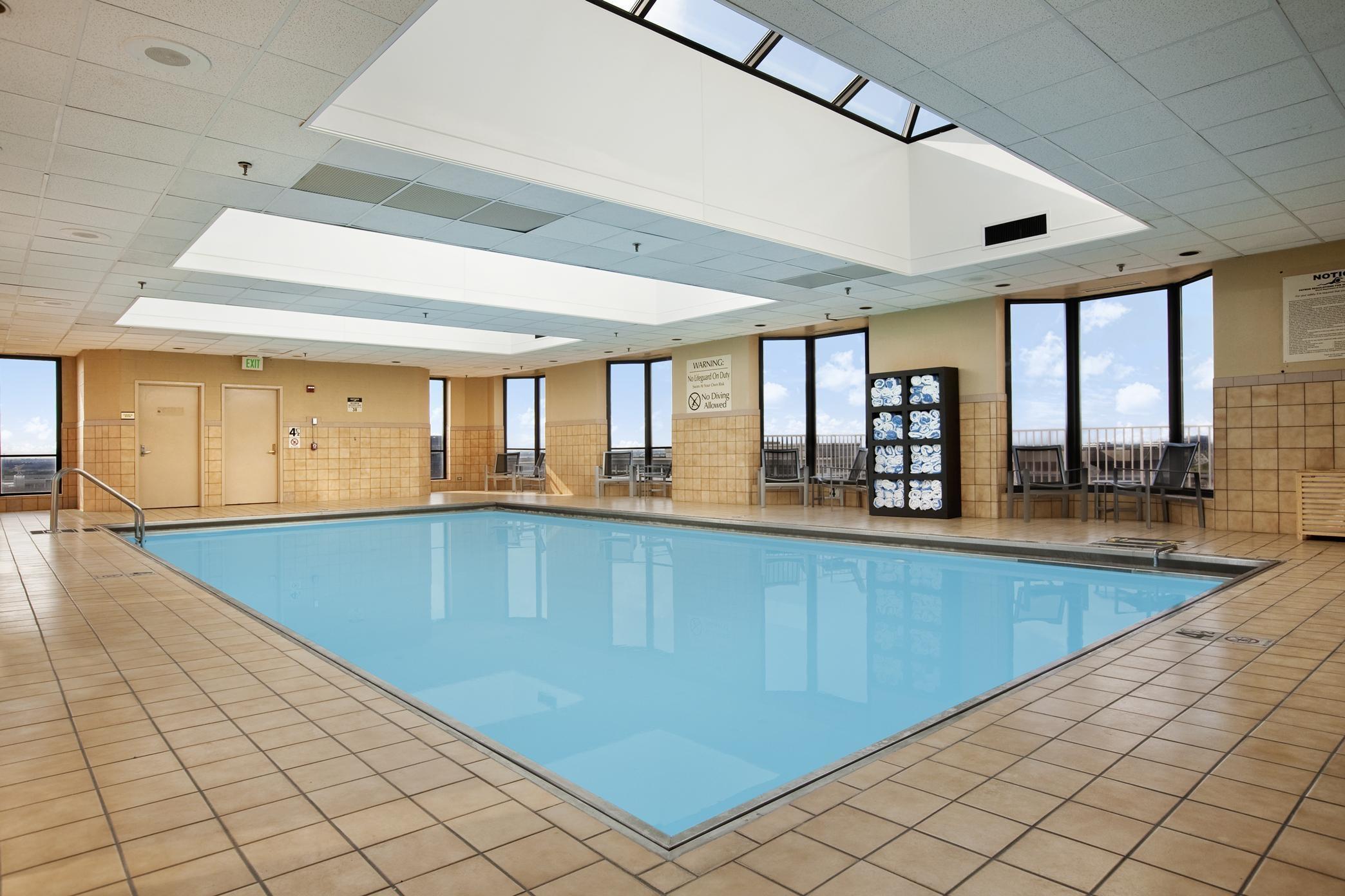 Hilton Rosemont/Chicago O'Hare image 1