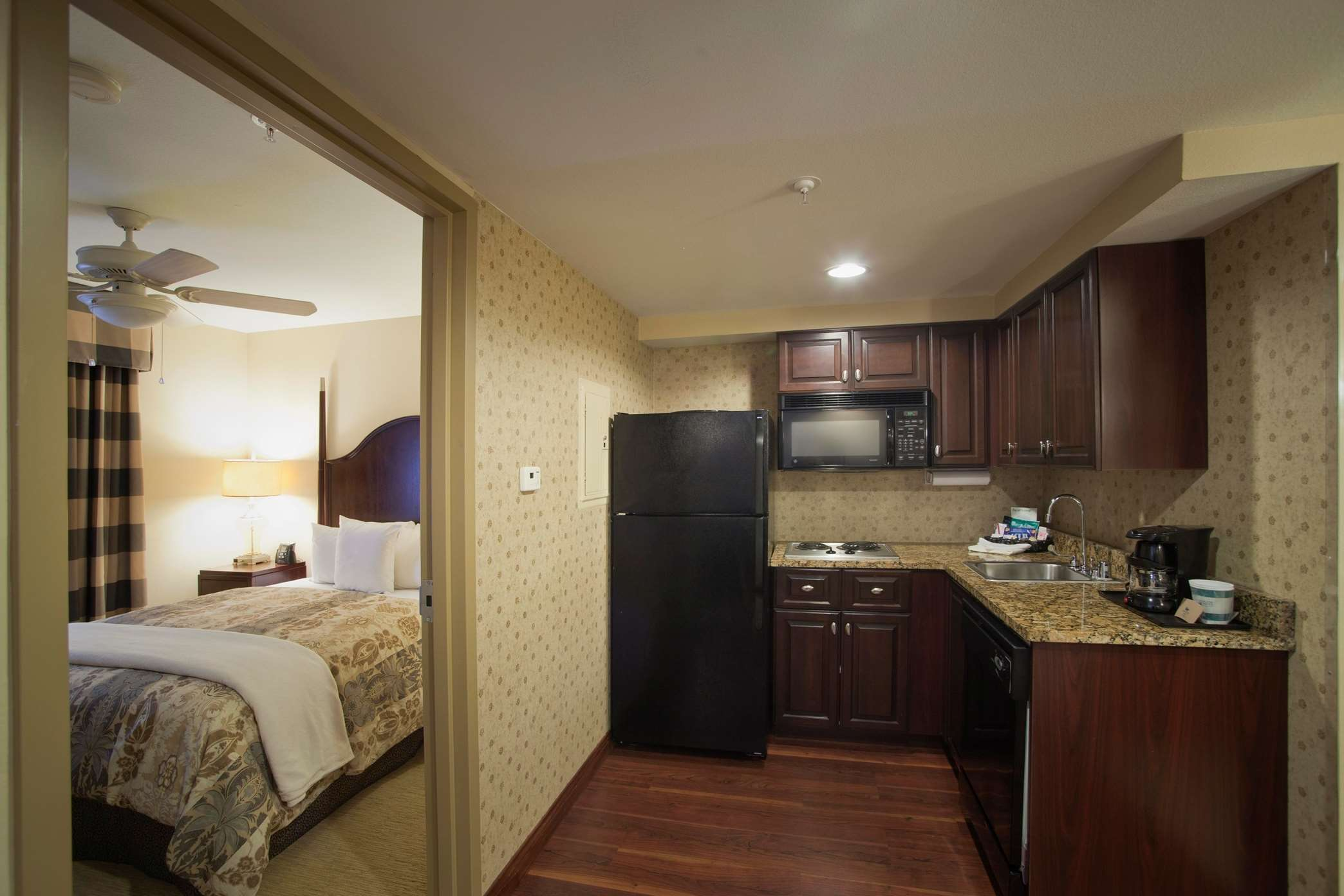 Homewood Suites by Hilton Albuquerque Airport image 3
