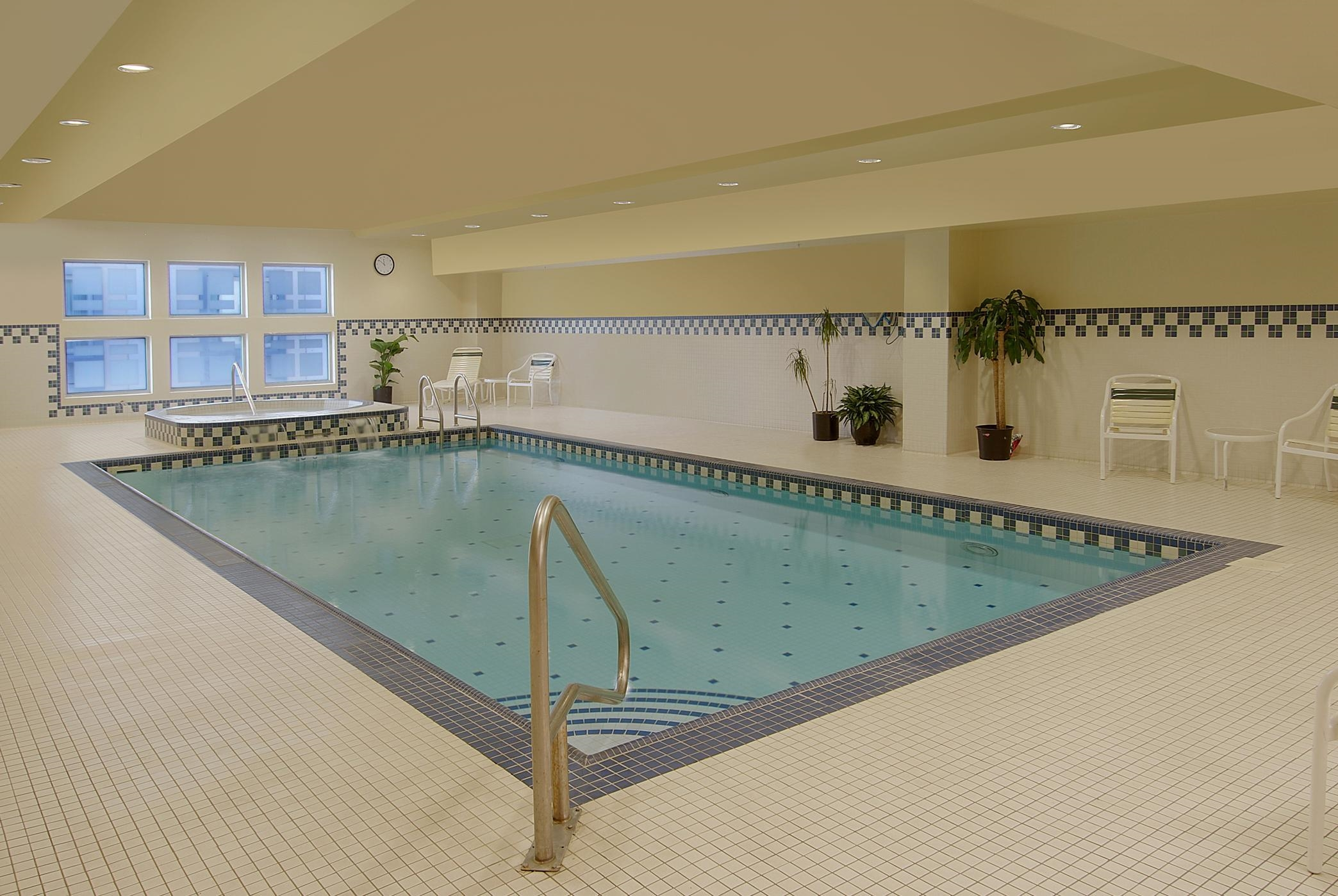 Hilton garden inn philadelphia center city philadelphia for Garden centre pool in wharfedale