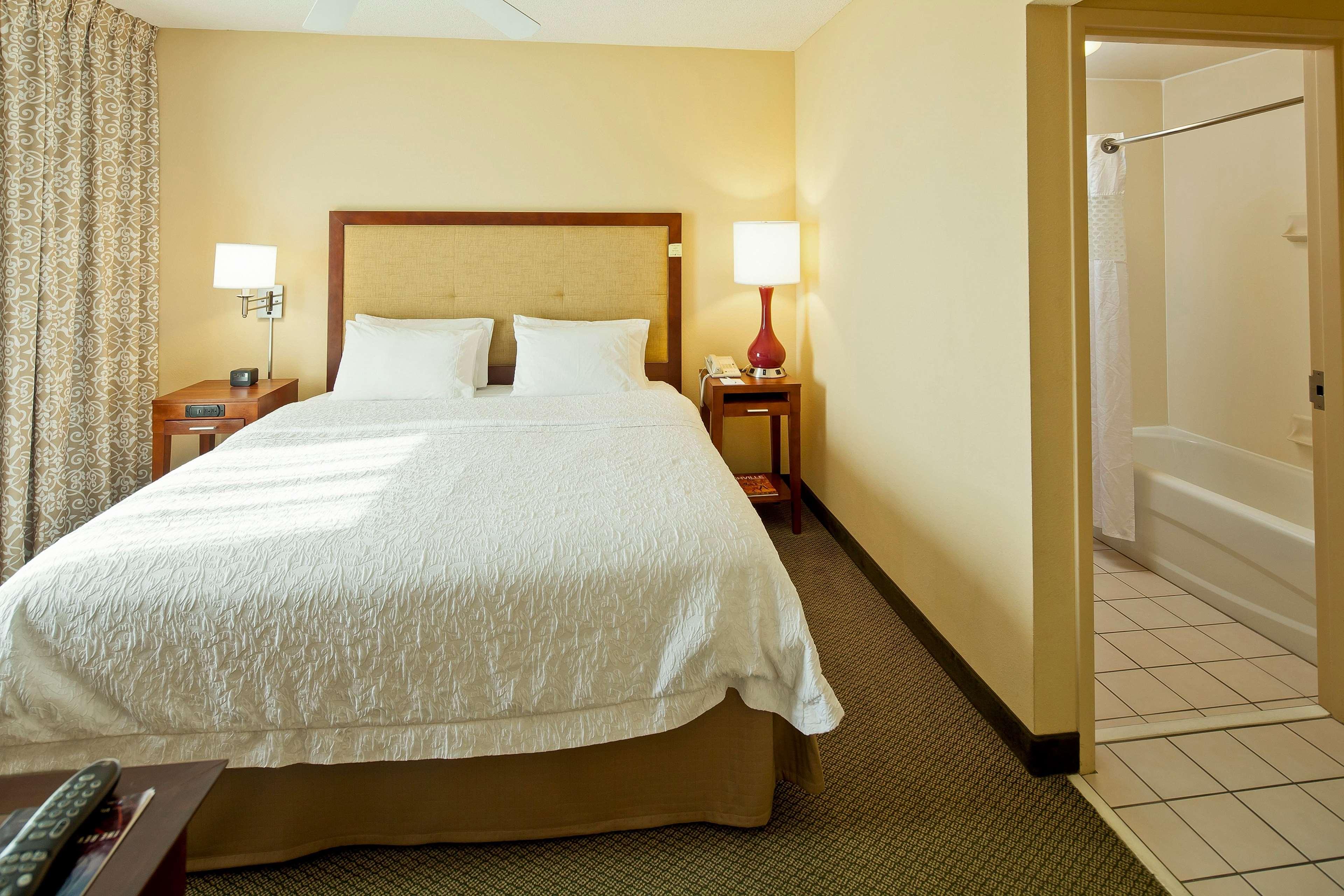 Hampton Inn & Suites Nashville-Green Hills image 24