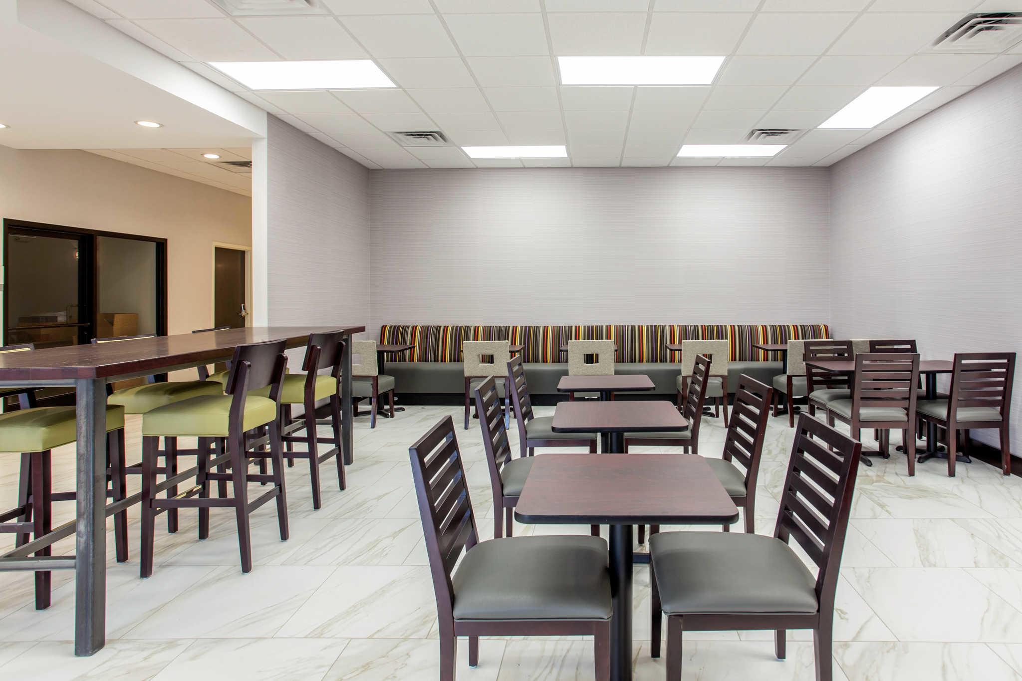 Clarion Inn & Suites image 27
