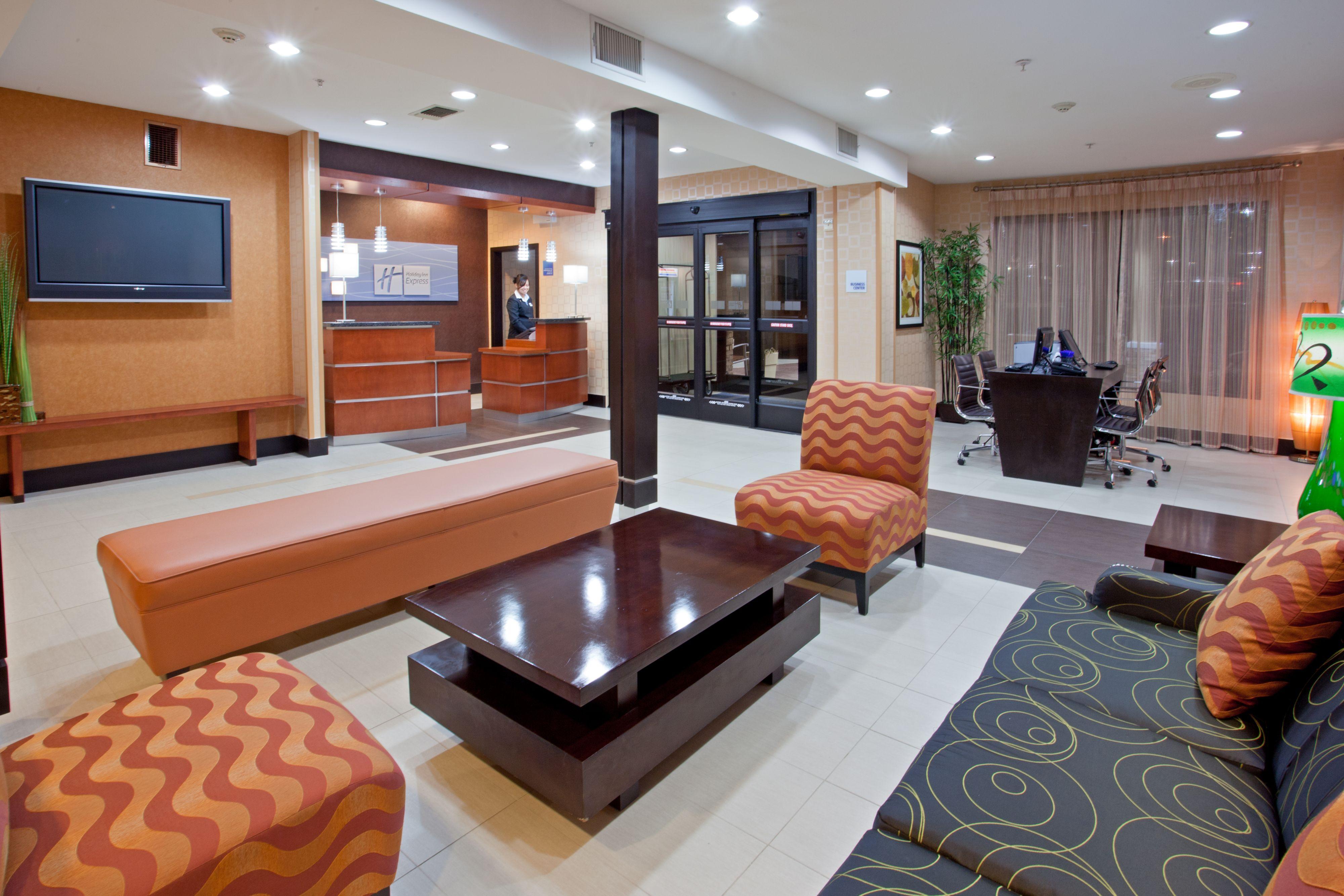 Holiday Inn Express & Suites Arlington (I-20-Parks Mall) image 4